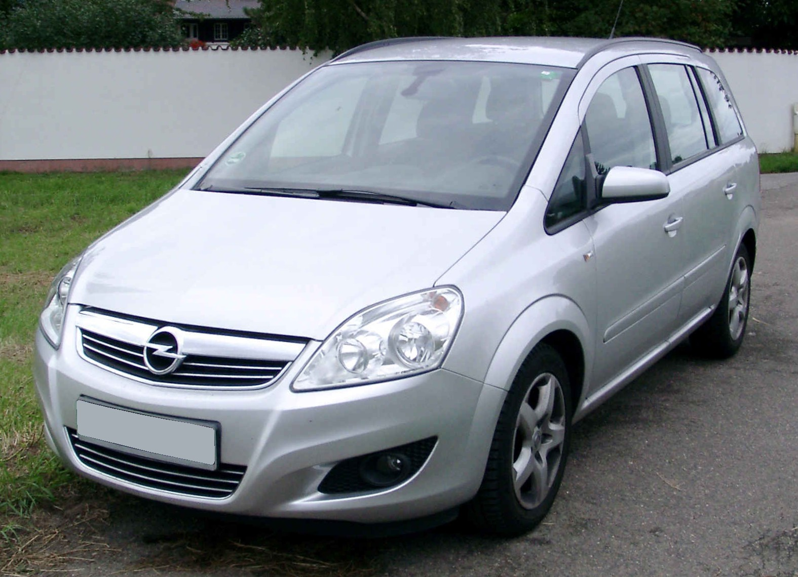 holden zafira 2004 pictures