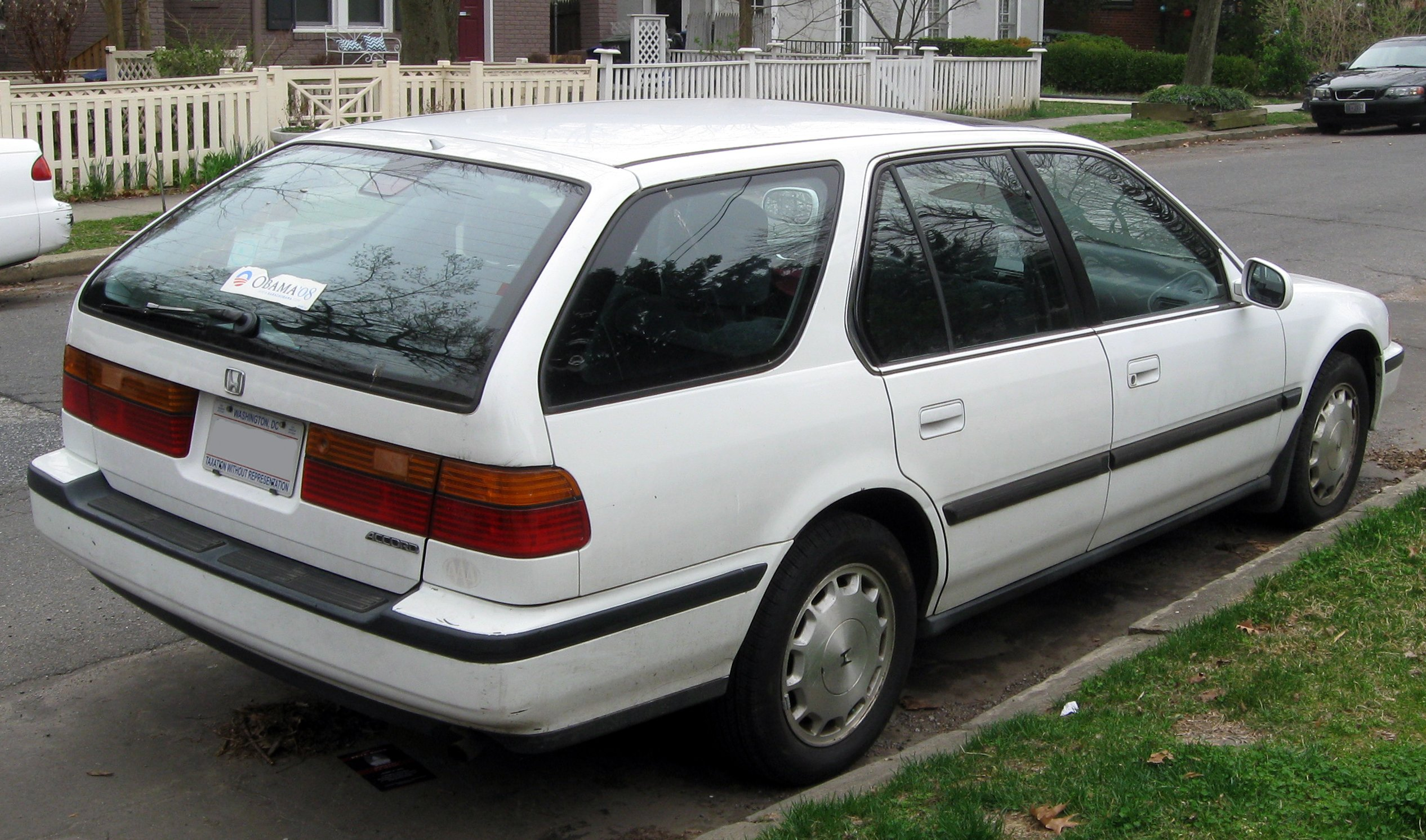 1999 Honda Accord vi hatchback – pictures, information and specs ...