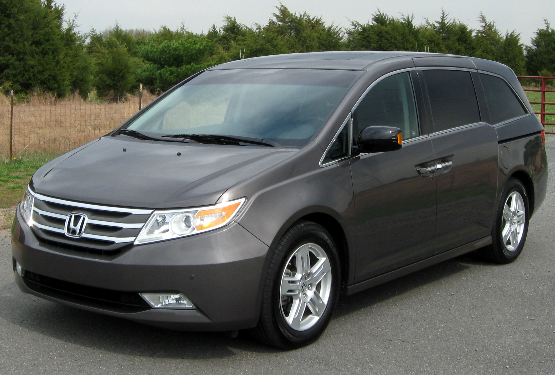 2014 honda odyssey iv pictures information and specs auto. Black Bedroom Furniture Sets. Home Design Ideas