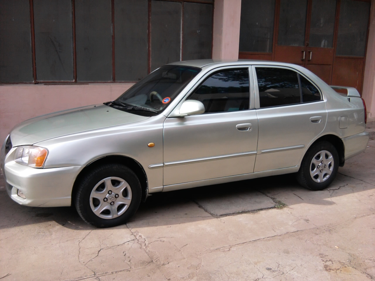 2003 hyundai accent ii pictures information and specs. Black Bedroom Furniture Sets. Home Design Ideas