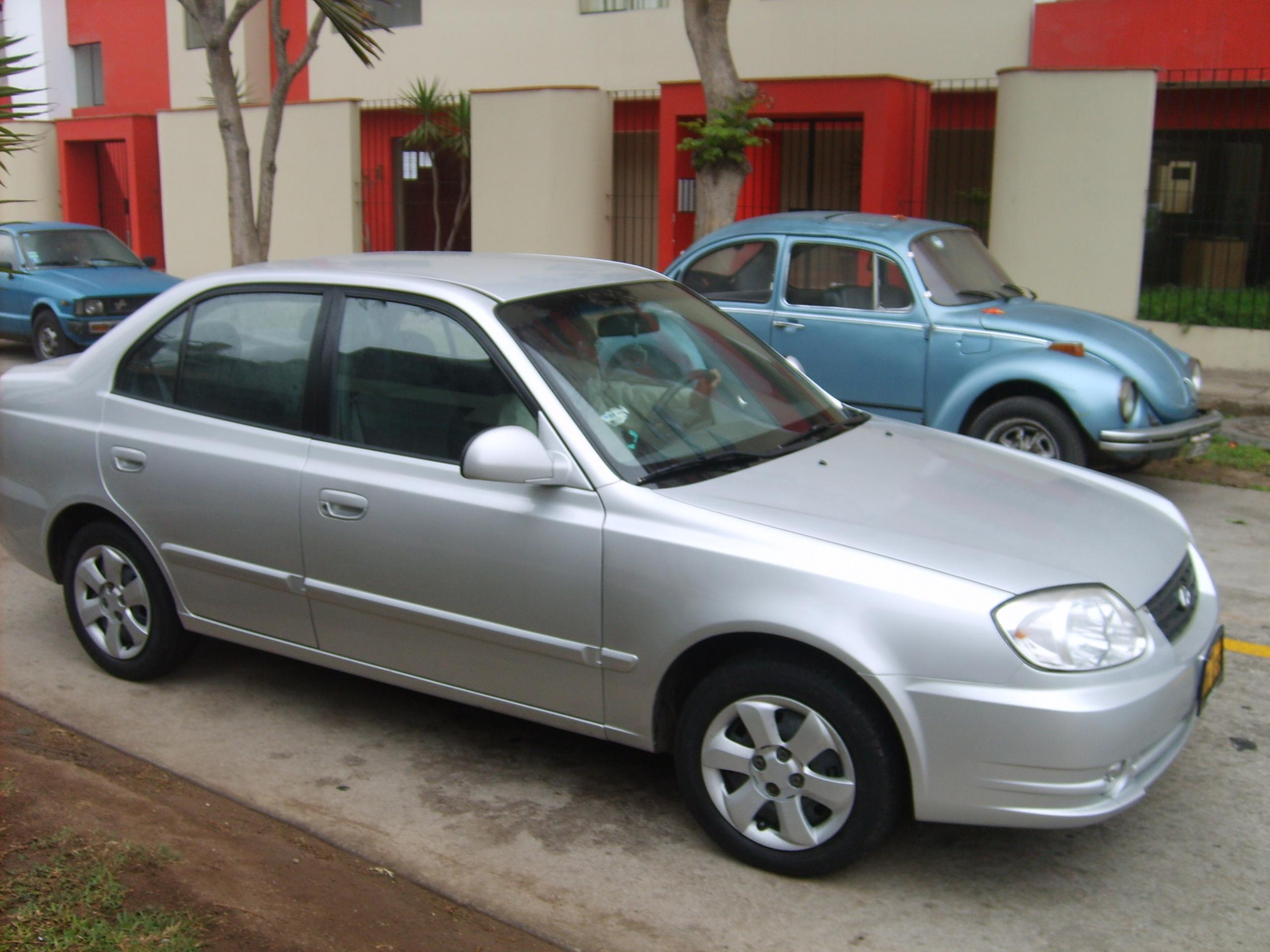2004 hyundai accent ii pictures information and specs. Black Bedroom Furniture Sets. Home Design Ideas
