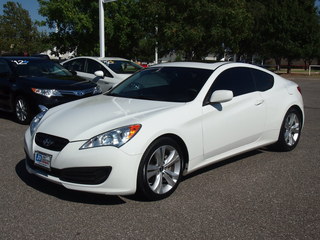 2010 hyundai genesis coupe pictures information and specs auto. Black Bedroom Furniture Sets. Home Design Ideas