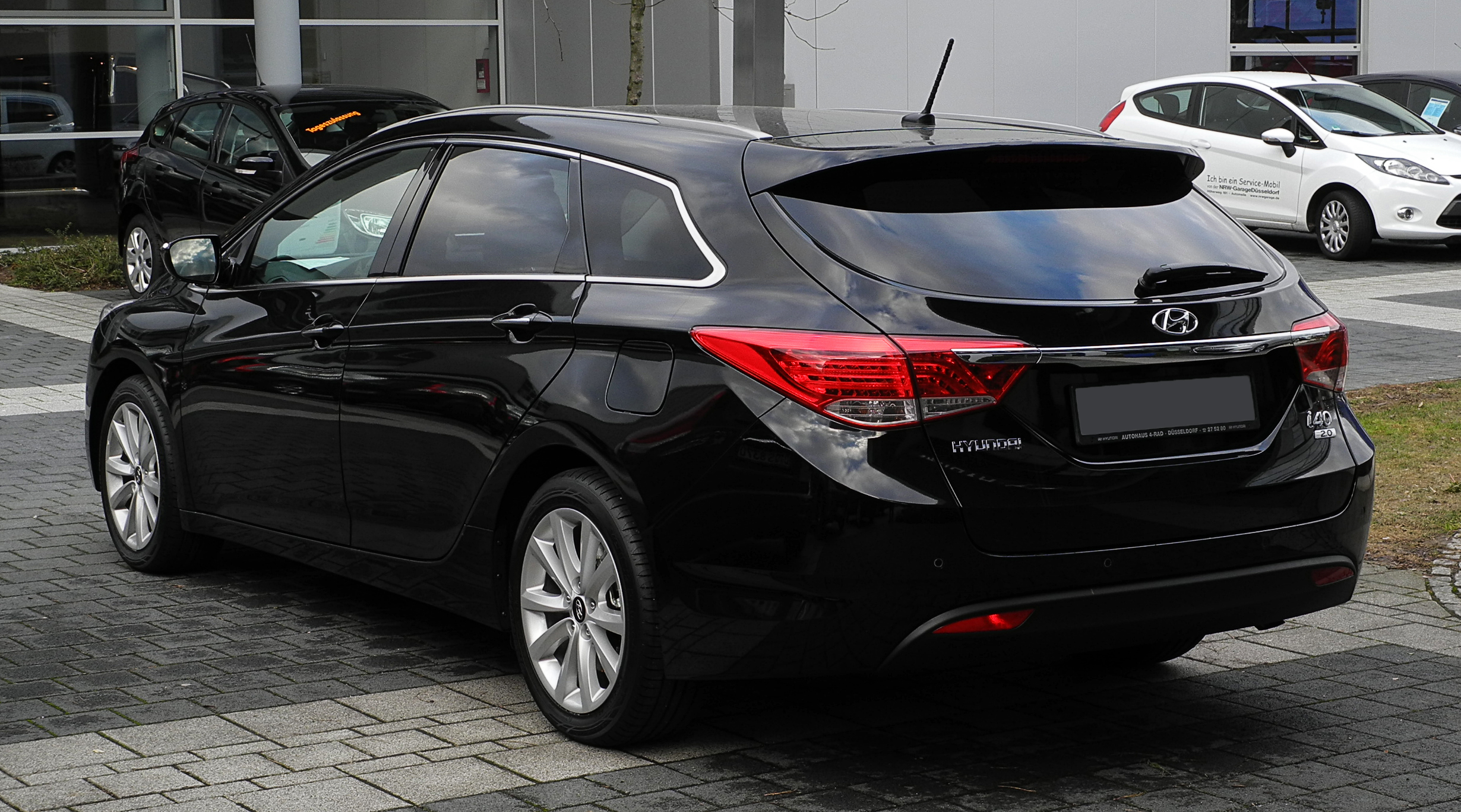 2013 hyundai i40 cw pictures information and specs. Black Bedroom Furniture Sets. Home Design Ideas