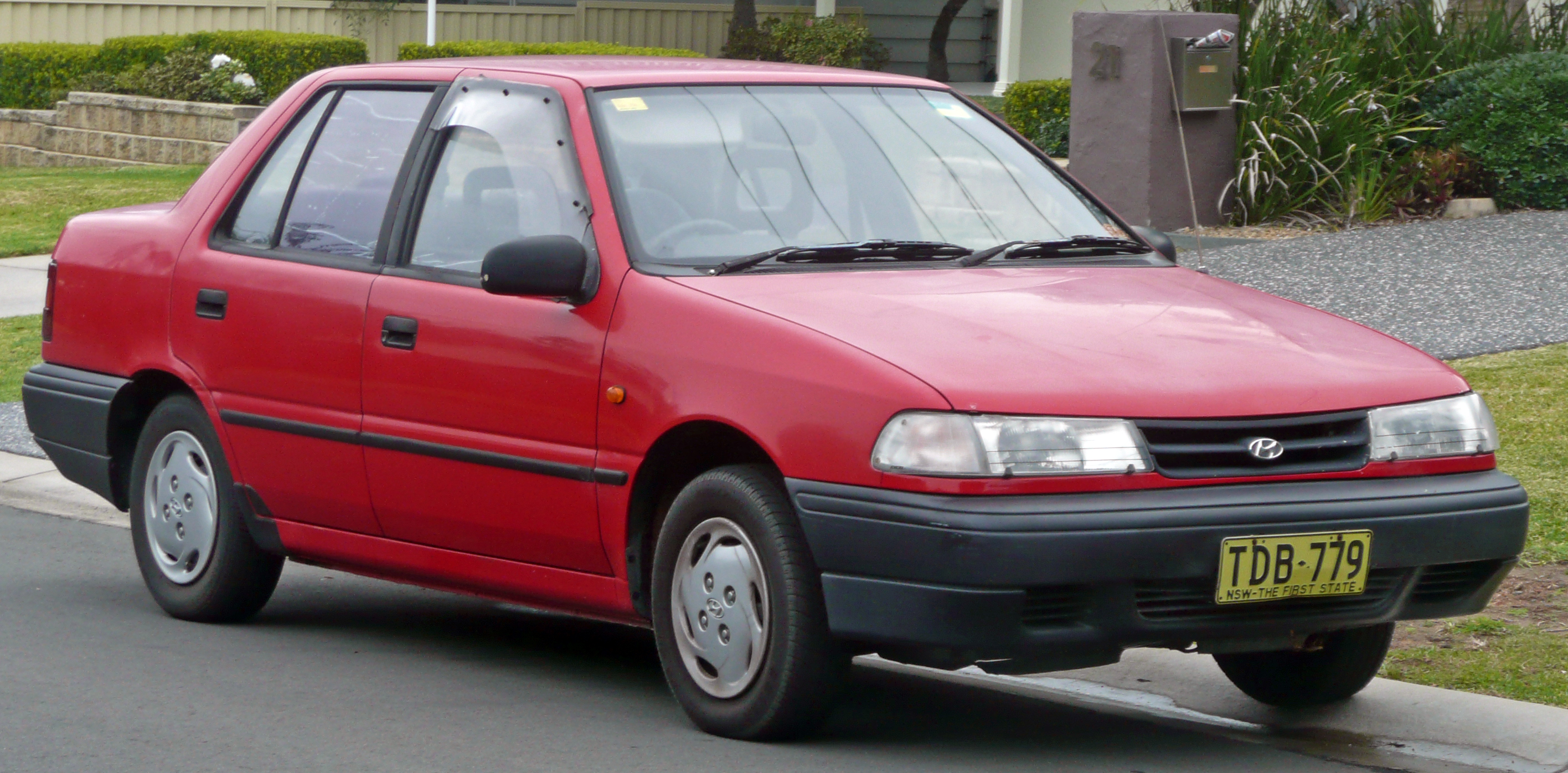 hyundai pony/excel sedan (x-2) 1990