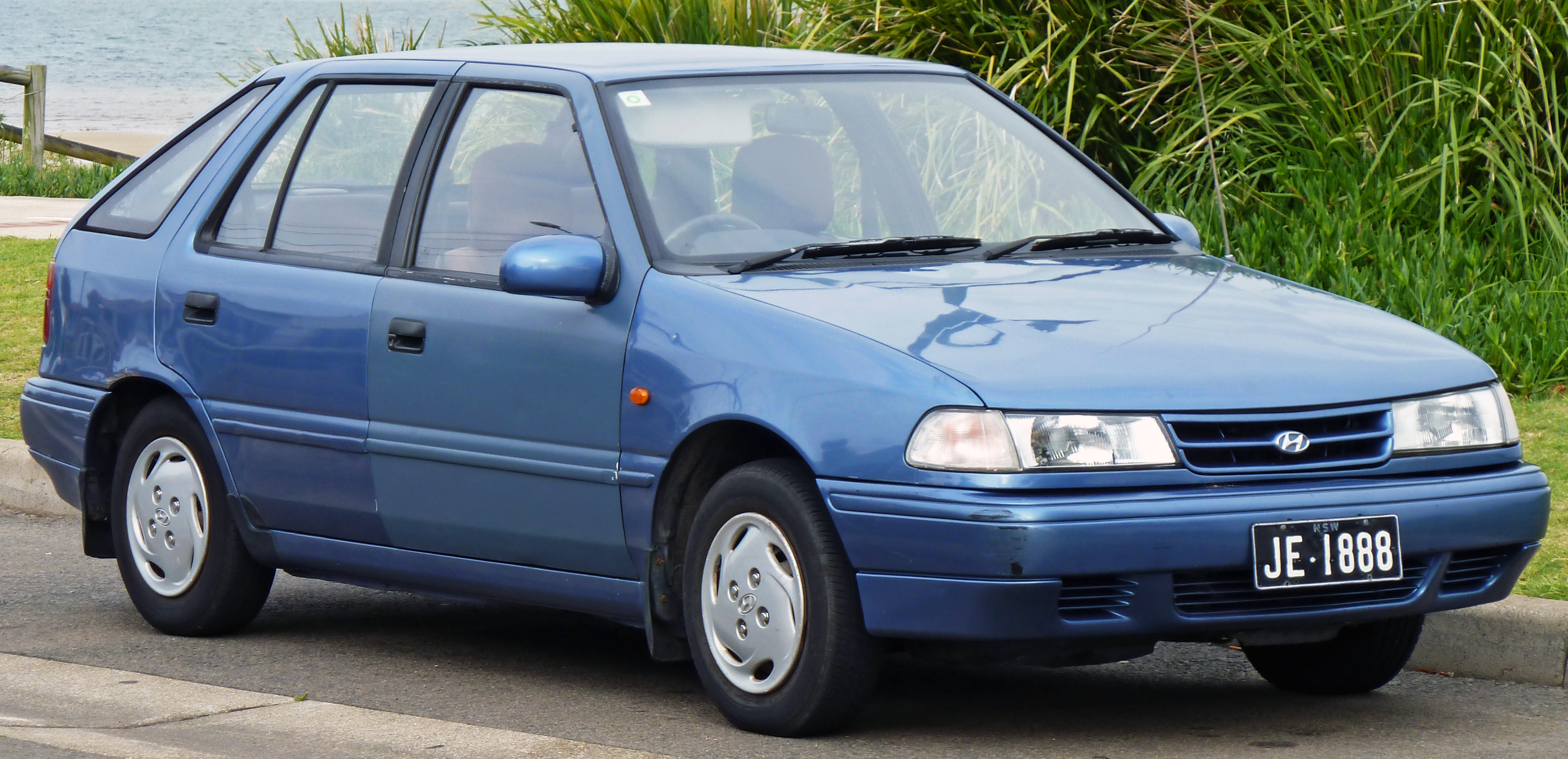 hyundai pony/excel sedan (x-2) 1990 models