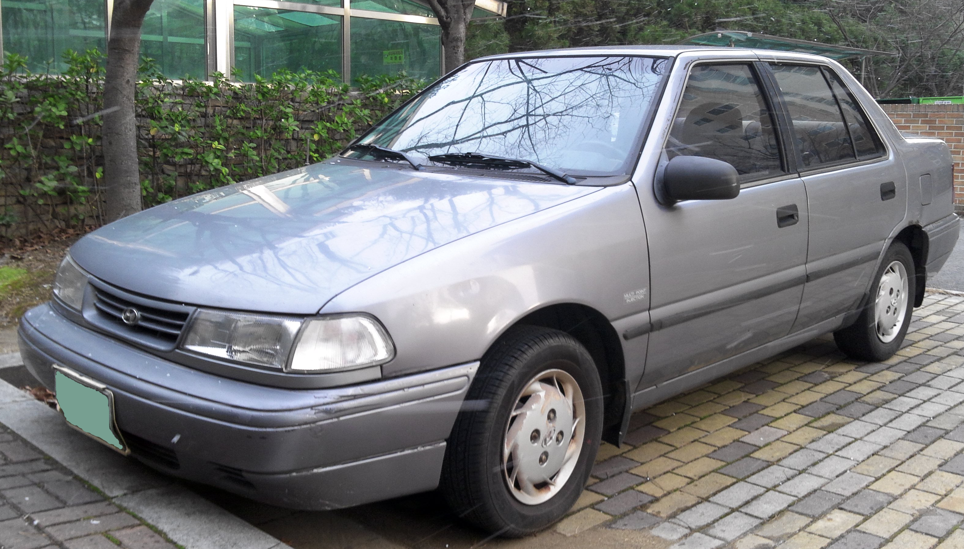 hyundai pony/excel sedan (x-2) 1990 wallpaper