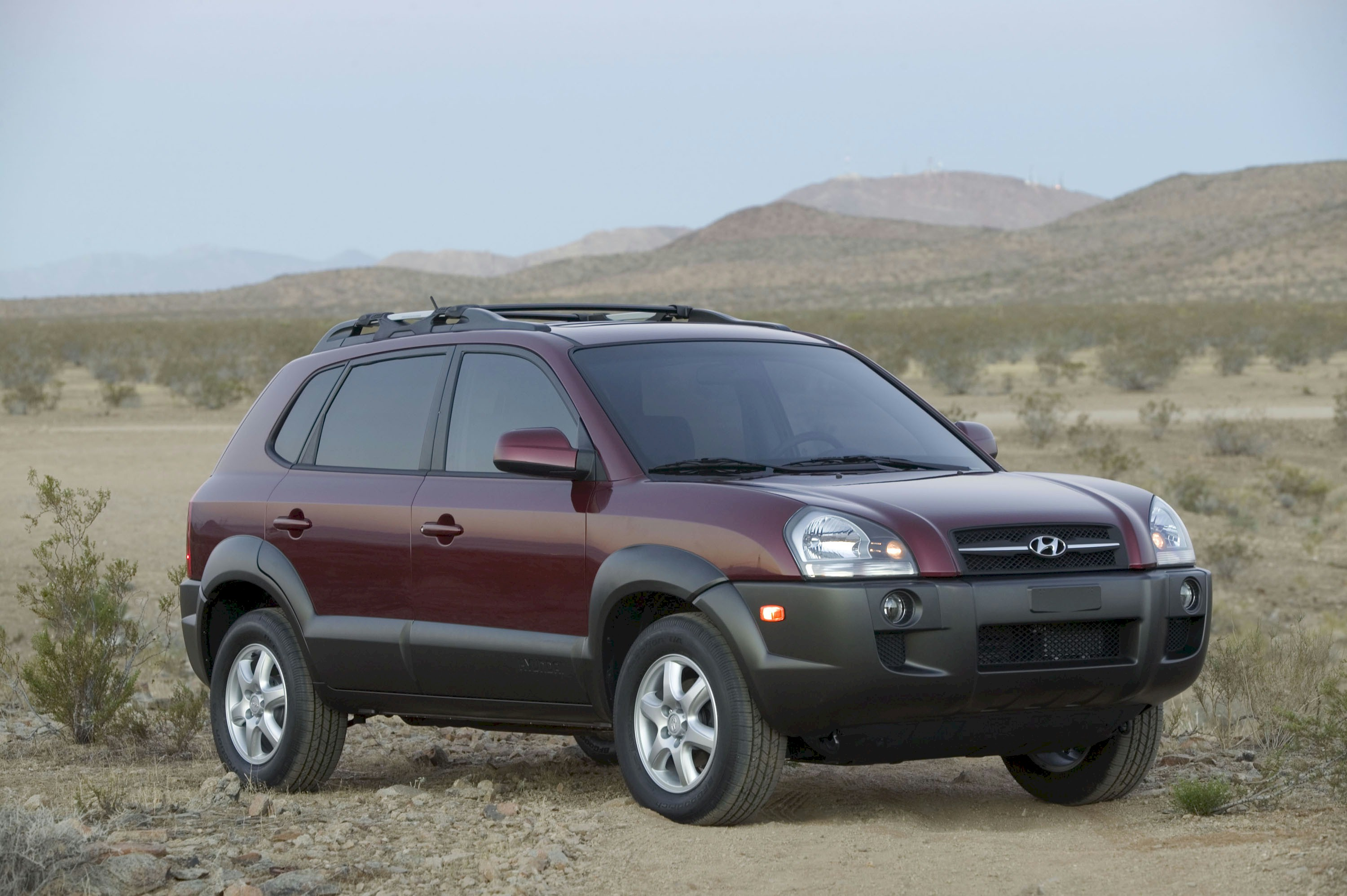 2005 hyundai tucson pictures information and specs. Black Bedroom Furniture Sets. Home Design Ideas