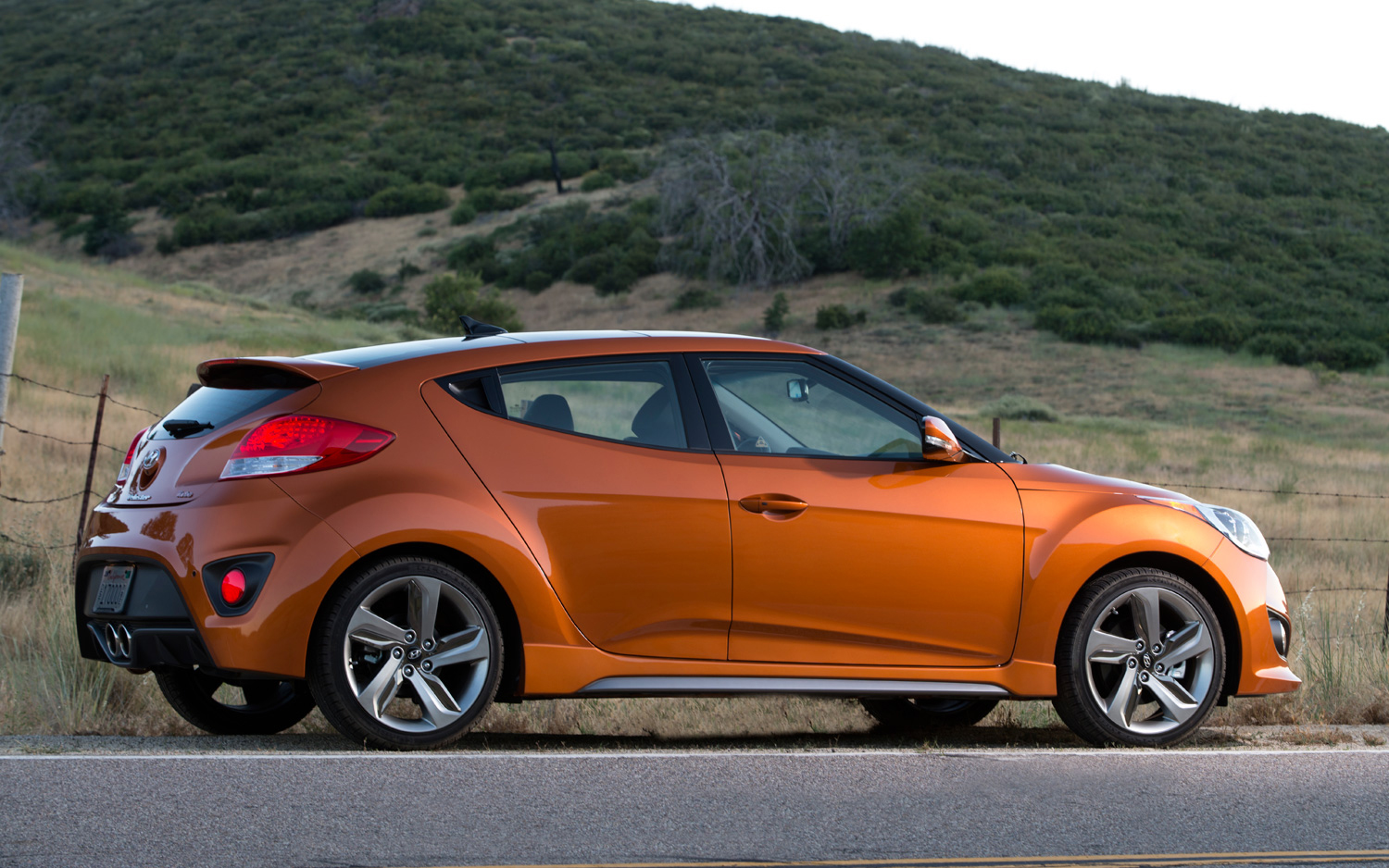 2015 hyundai veloster pictures information and specs auto. Black Bedroom Furniture Sets. Home Design Ideas