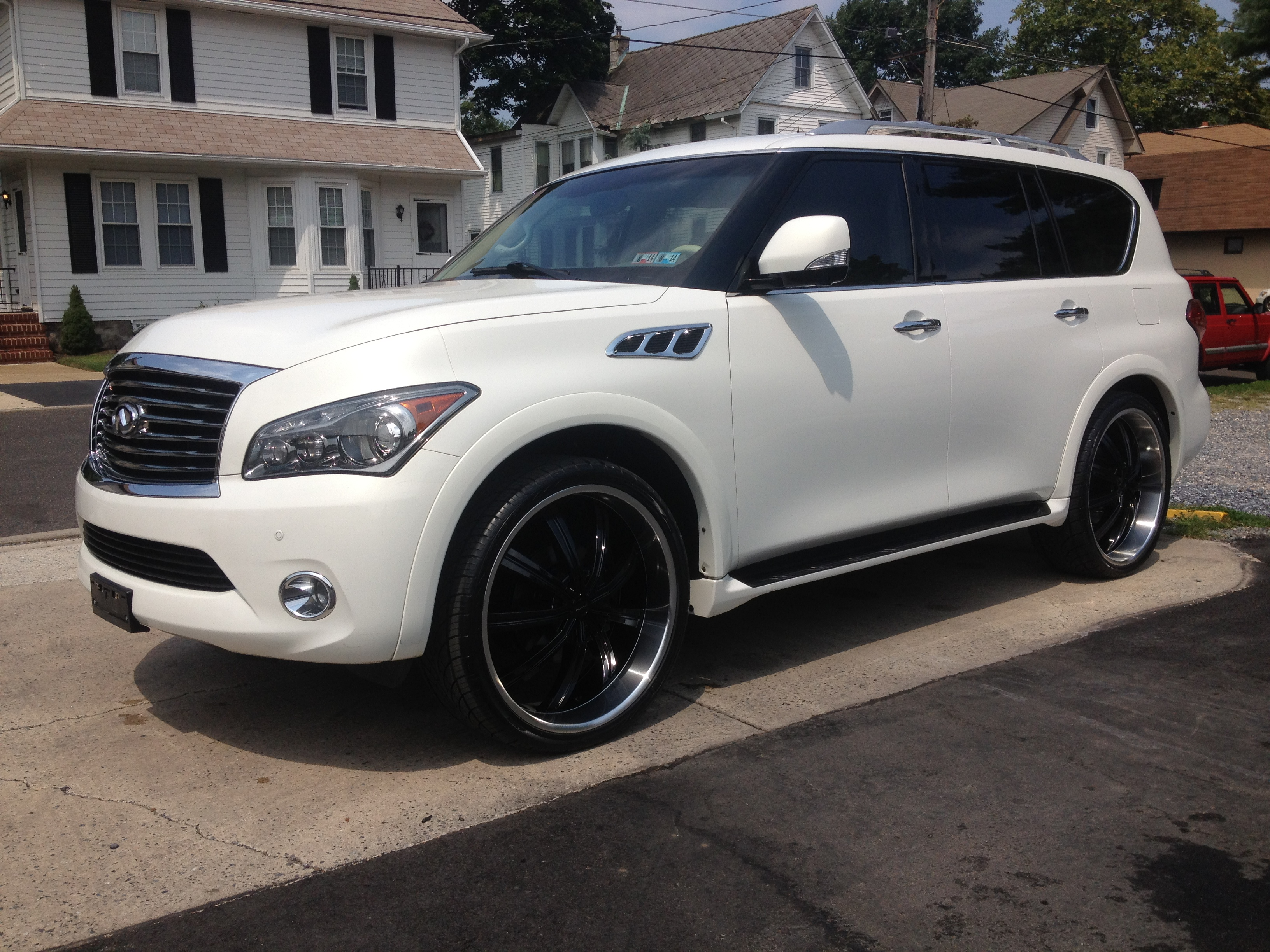 2013 infiniti qx56 ii pictures information and specs auto. Black Bedroom Furniture Sets. Home Design Ideas