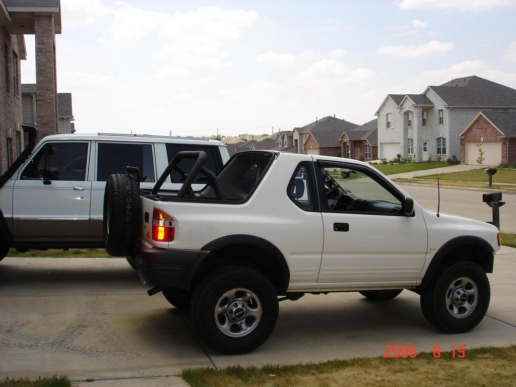 1990 Isuzu Trooper soft top – pictures, information and