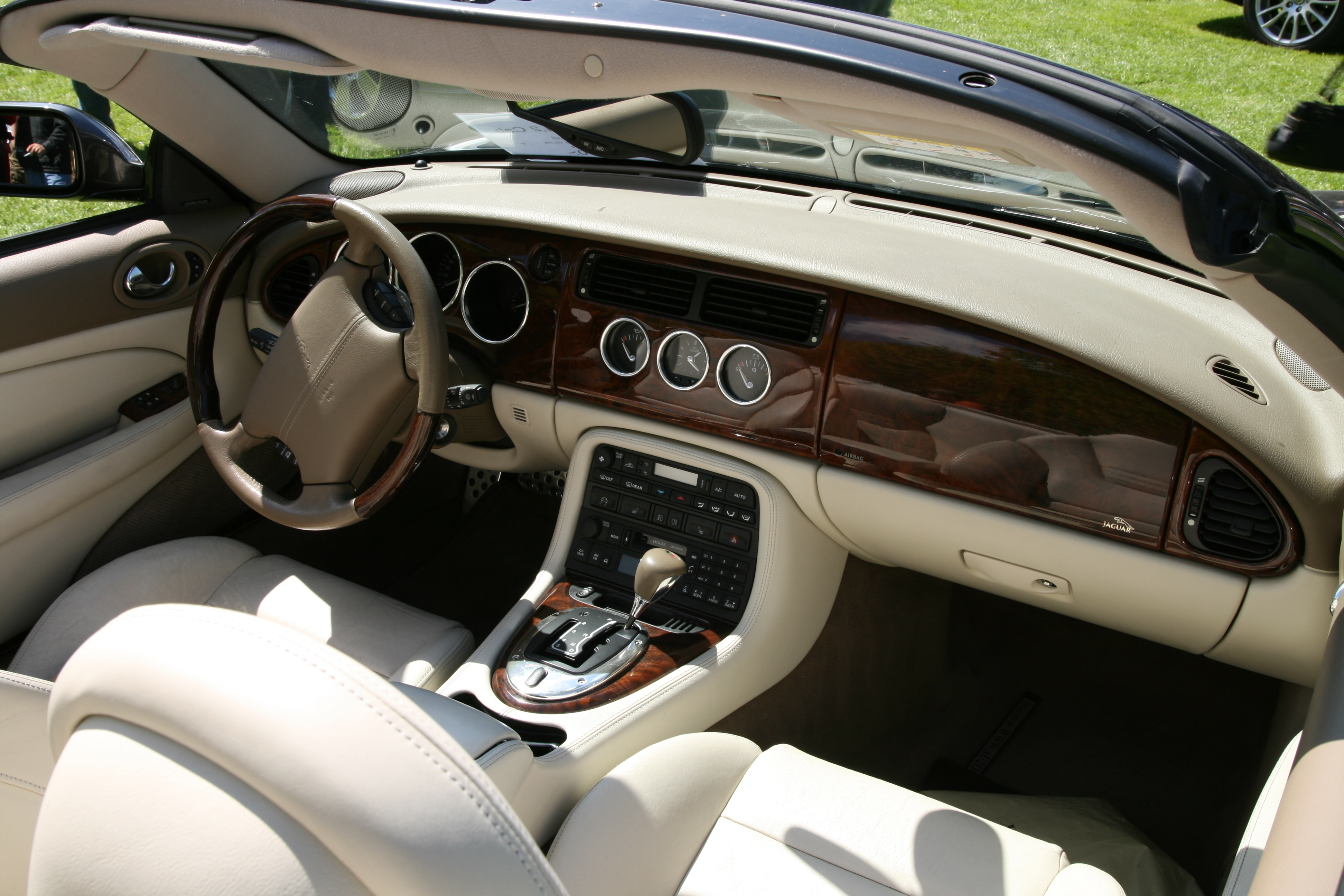 or htm an looking xk classic for someone know jaguar are can we its who older sale determine if have help buy value has a img to always you