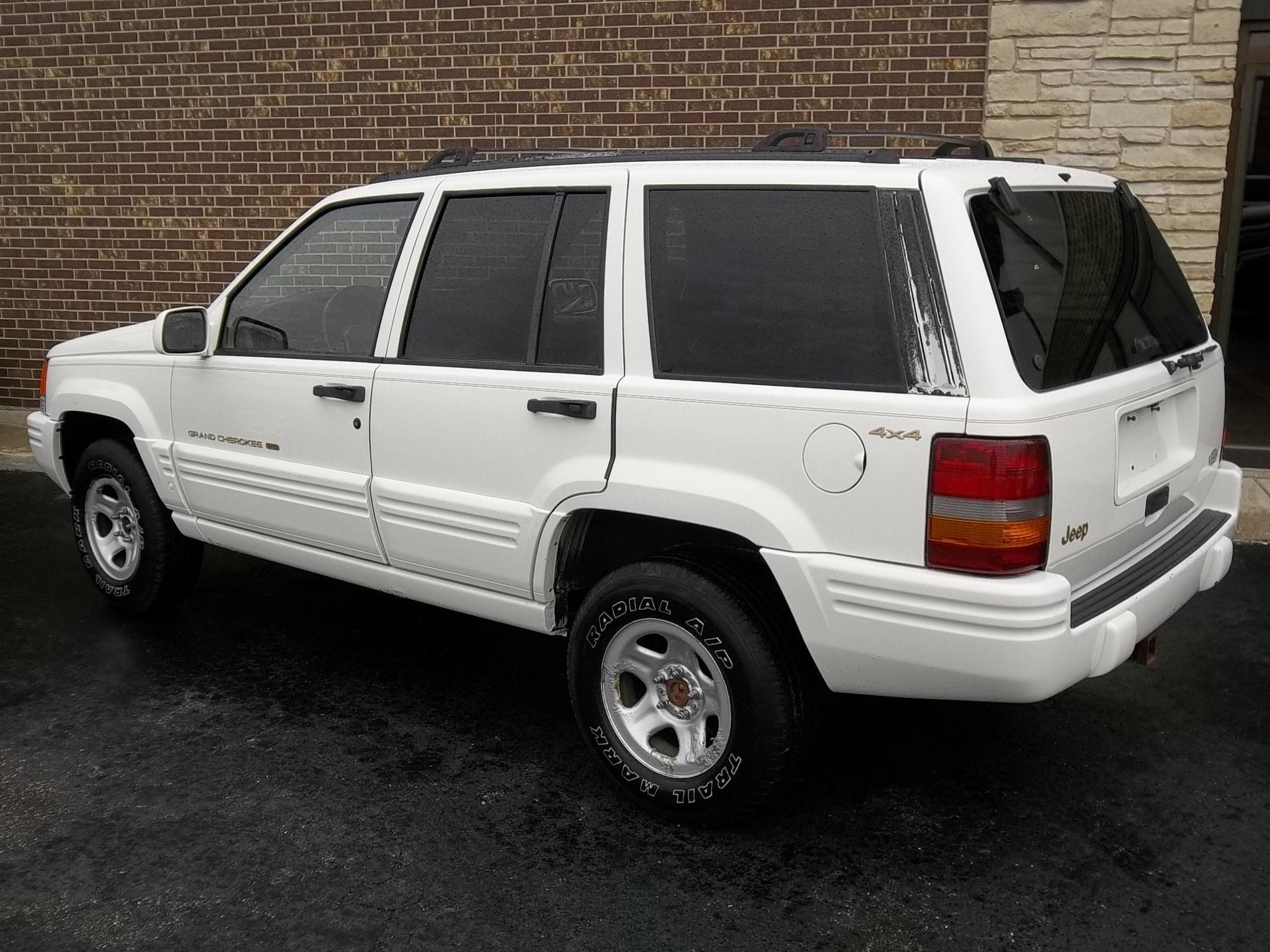 1997 jeep grand cherokee white 200 interior and exterior images. Black Bedroom Furniture Sets. Home Design Ideas