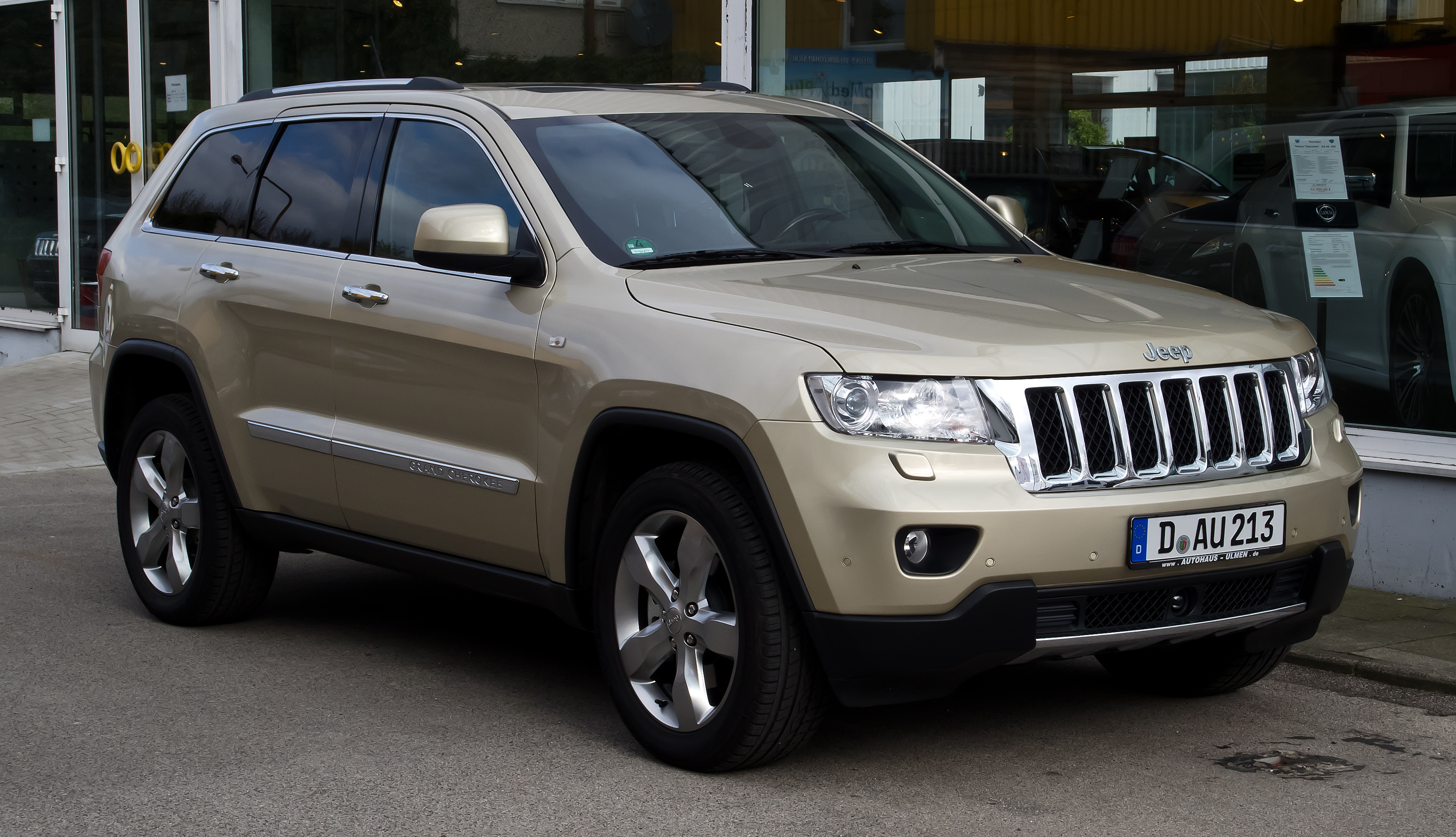 2012 jeep grand cherokee wk pictures information and specs auto. Black Bedroom Furniture Sets. Home Design Ideas