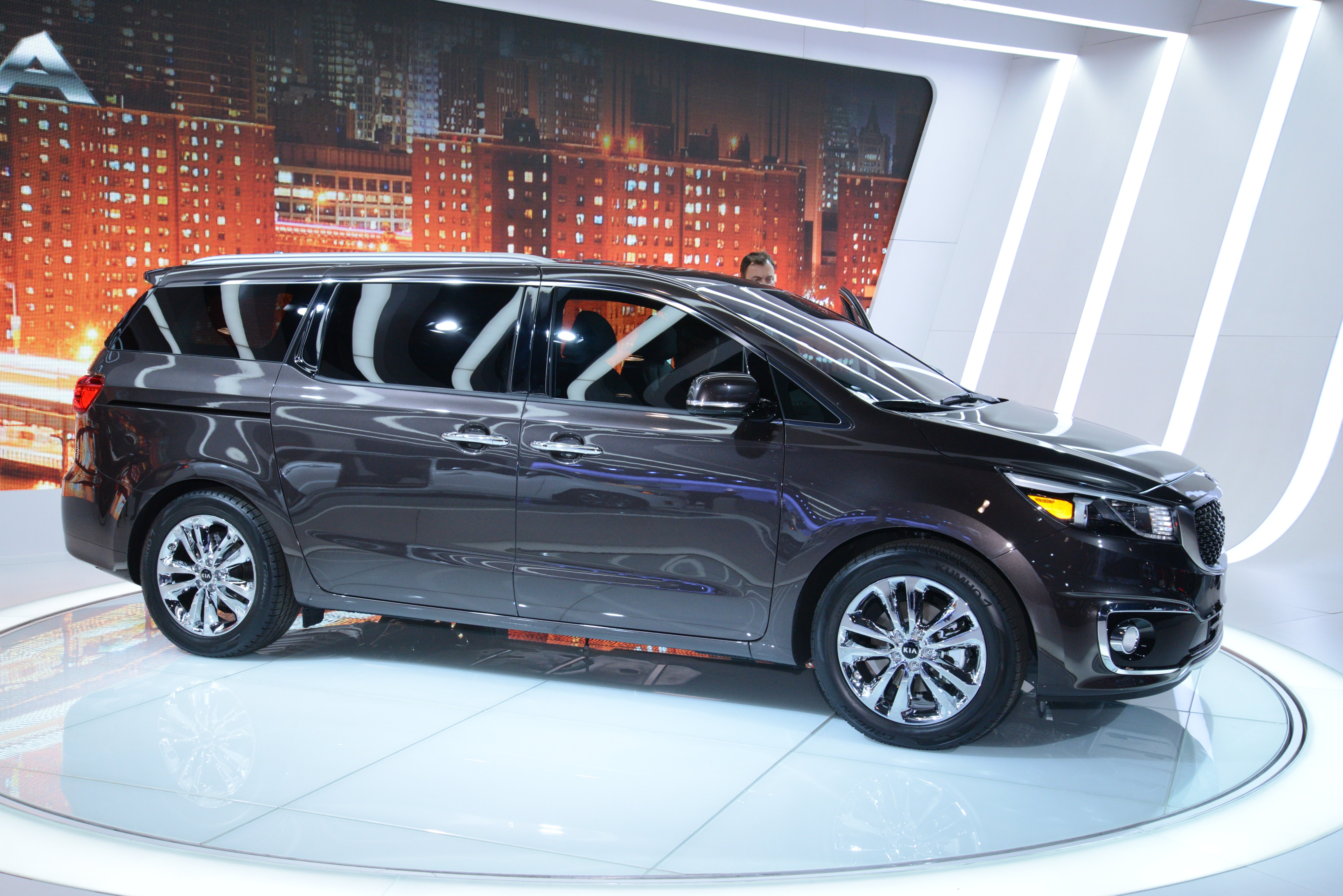 a ex cars test very car the great seat sedona s in com score high gets img kia