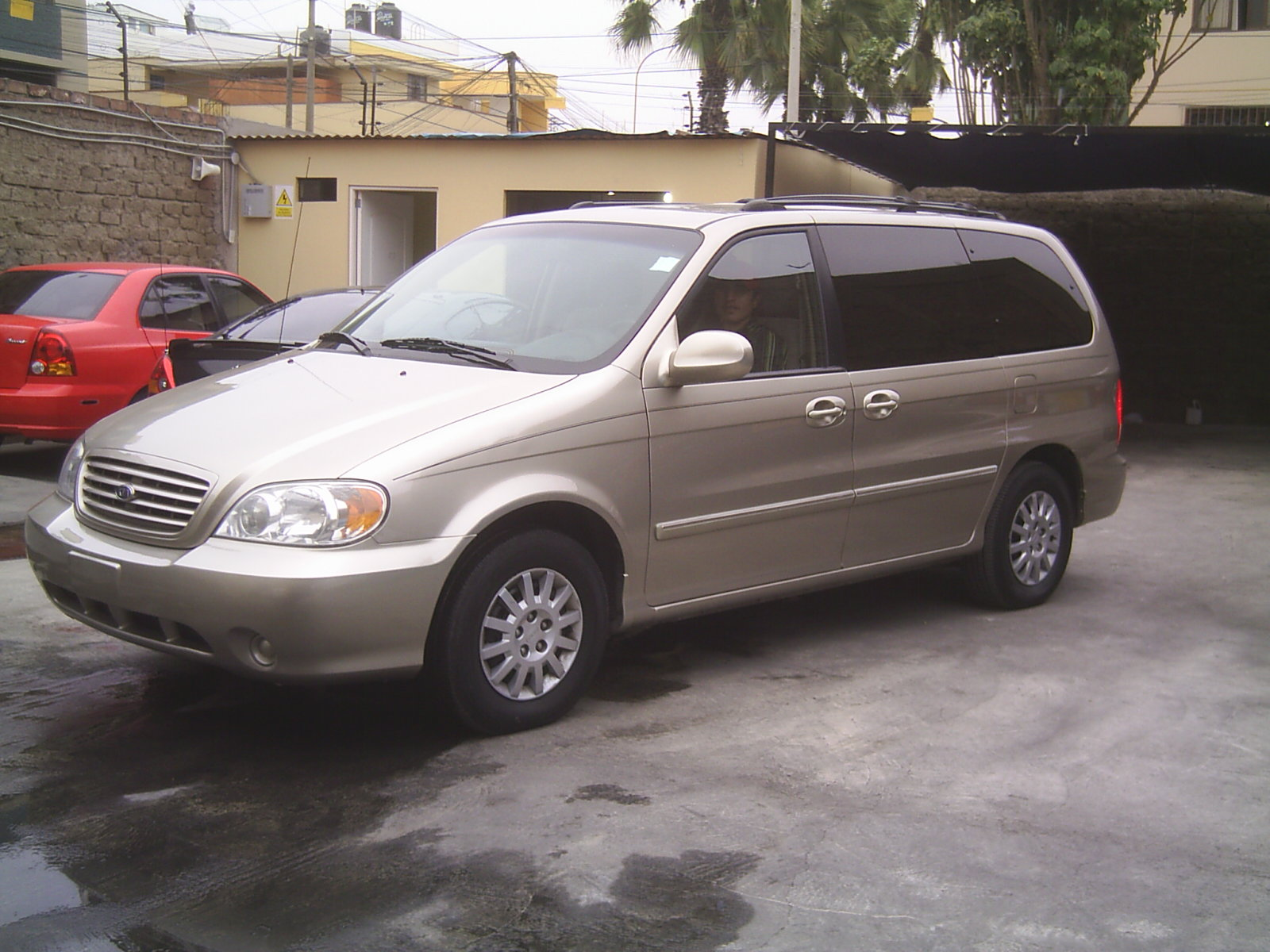 2003 kia carnival up pictures information and specs auto. Black Bedroom Furniture Sets. Home Design Ideas