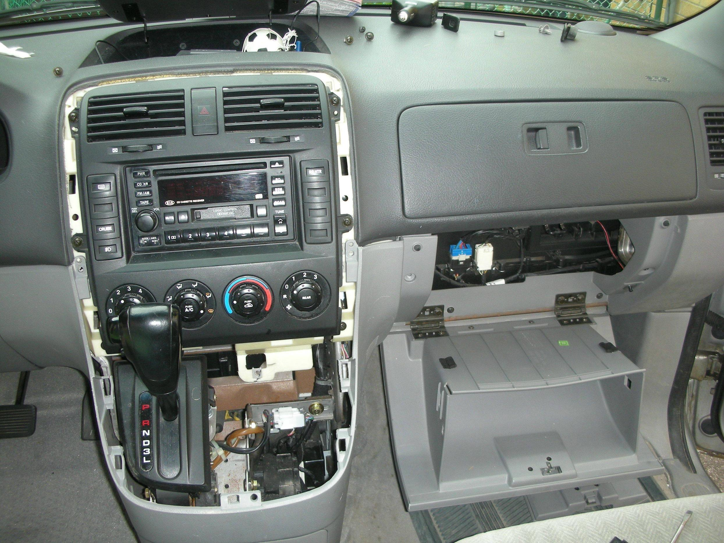 2003 Kia Carnival Up Pictures Information And Specs Auto Renault Scenic Fuse Box Glove 14