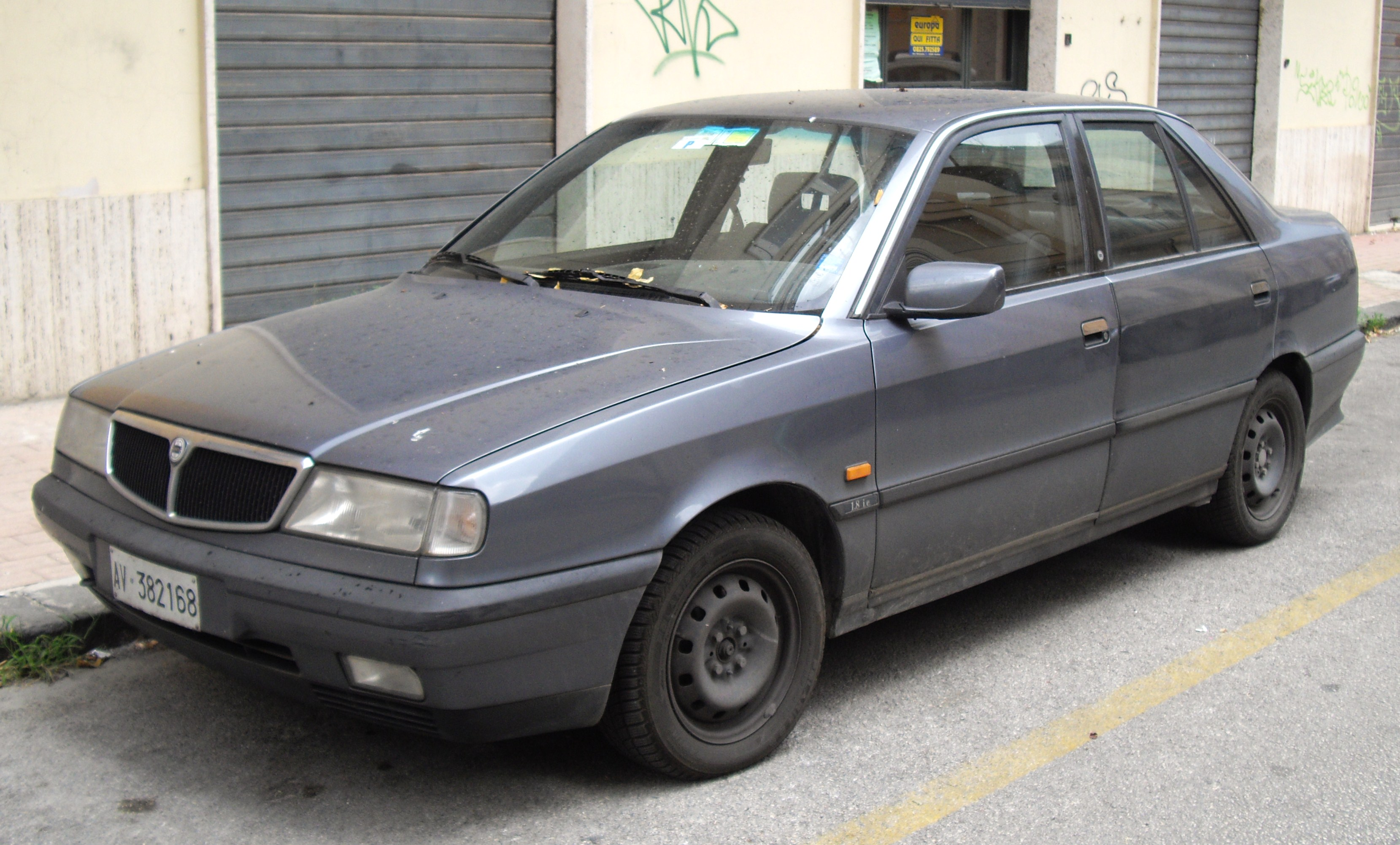 http://auto-database.com/image/lancia-dedra-station-wagon-835-1997-images-176588.jpg