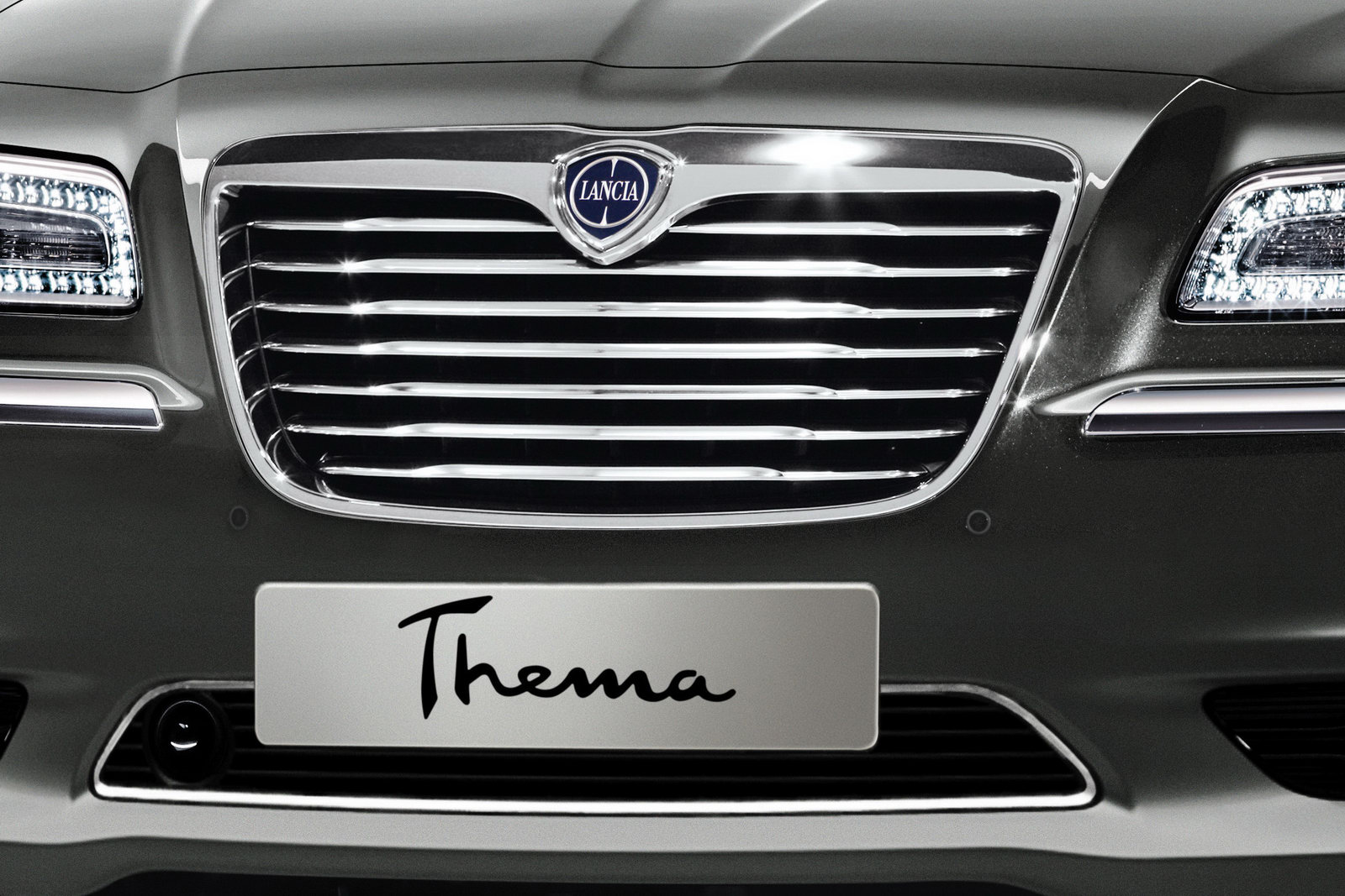 lancia thema (lx) 2012 images