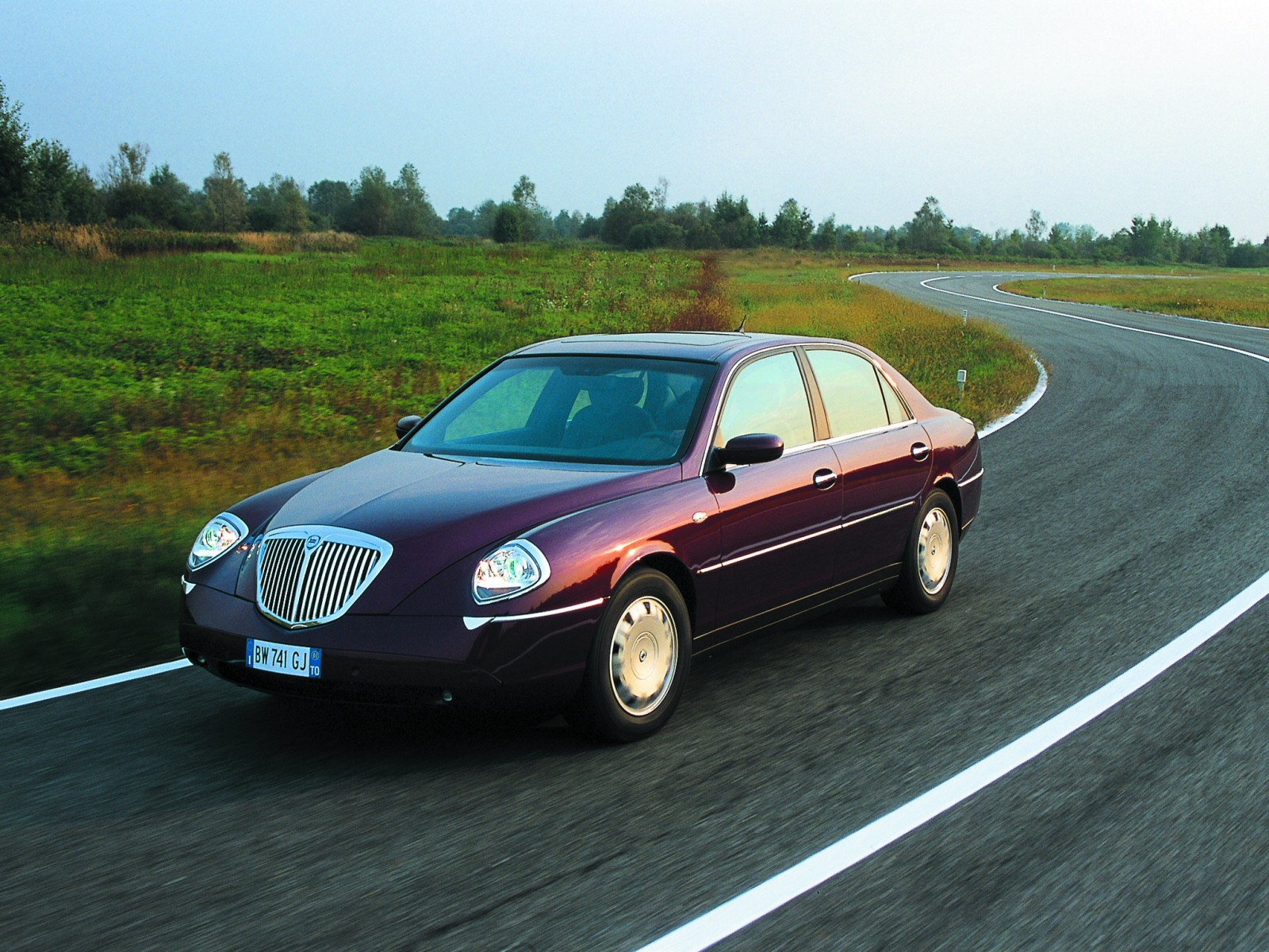 lancia thesis 2001 images