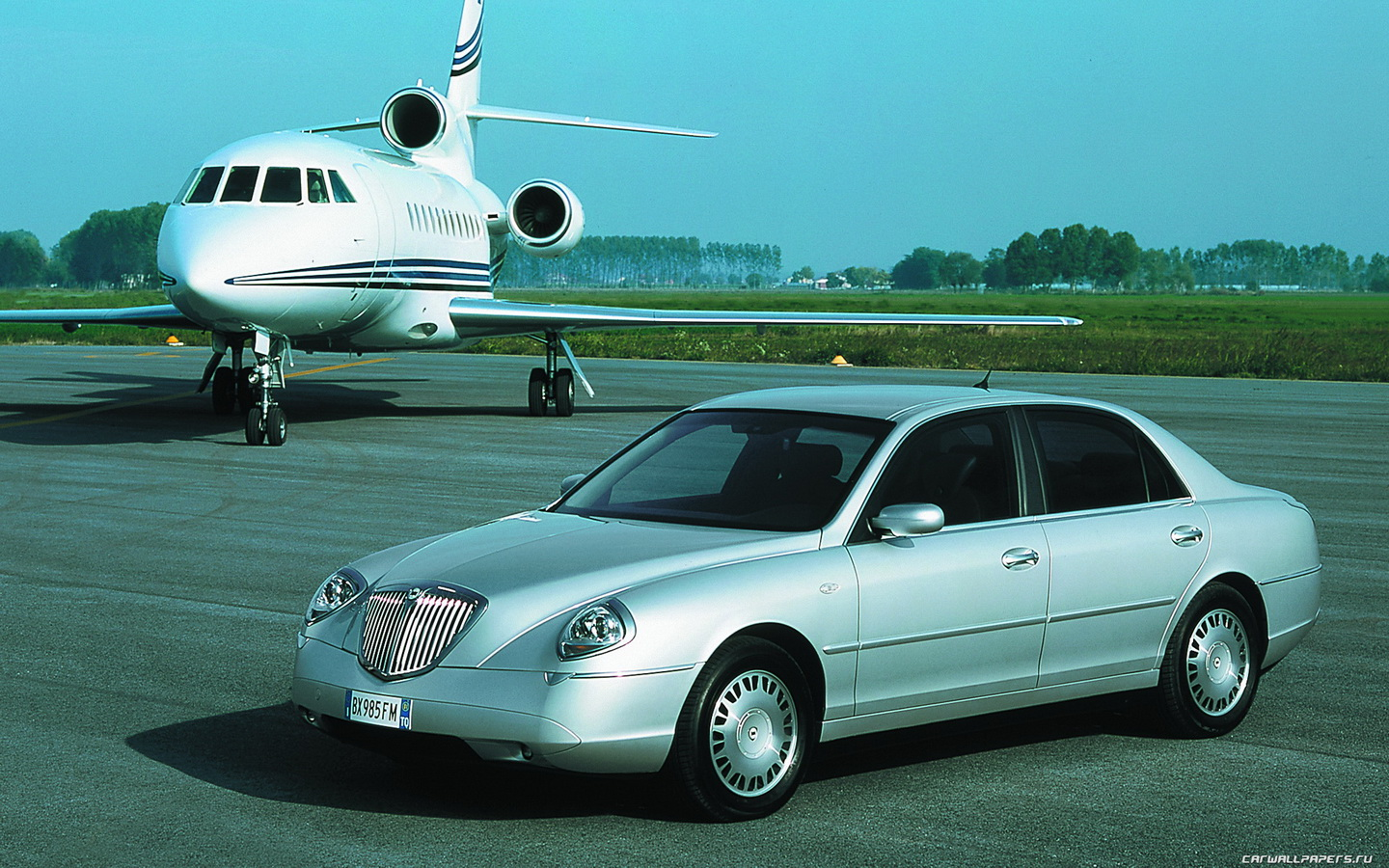 http://auto-database.com/image/lancia-thesis-2004-pictures-174719.jpg
