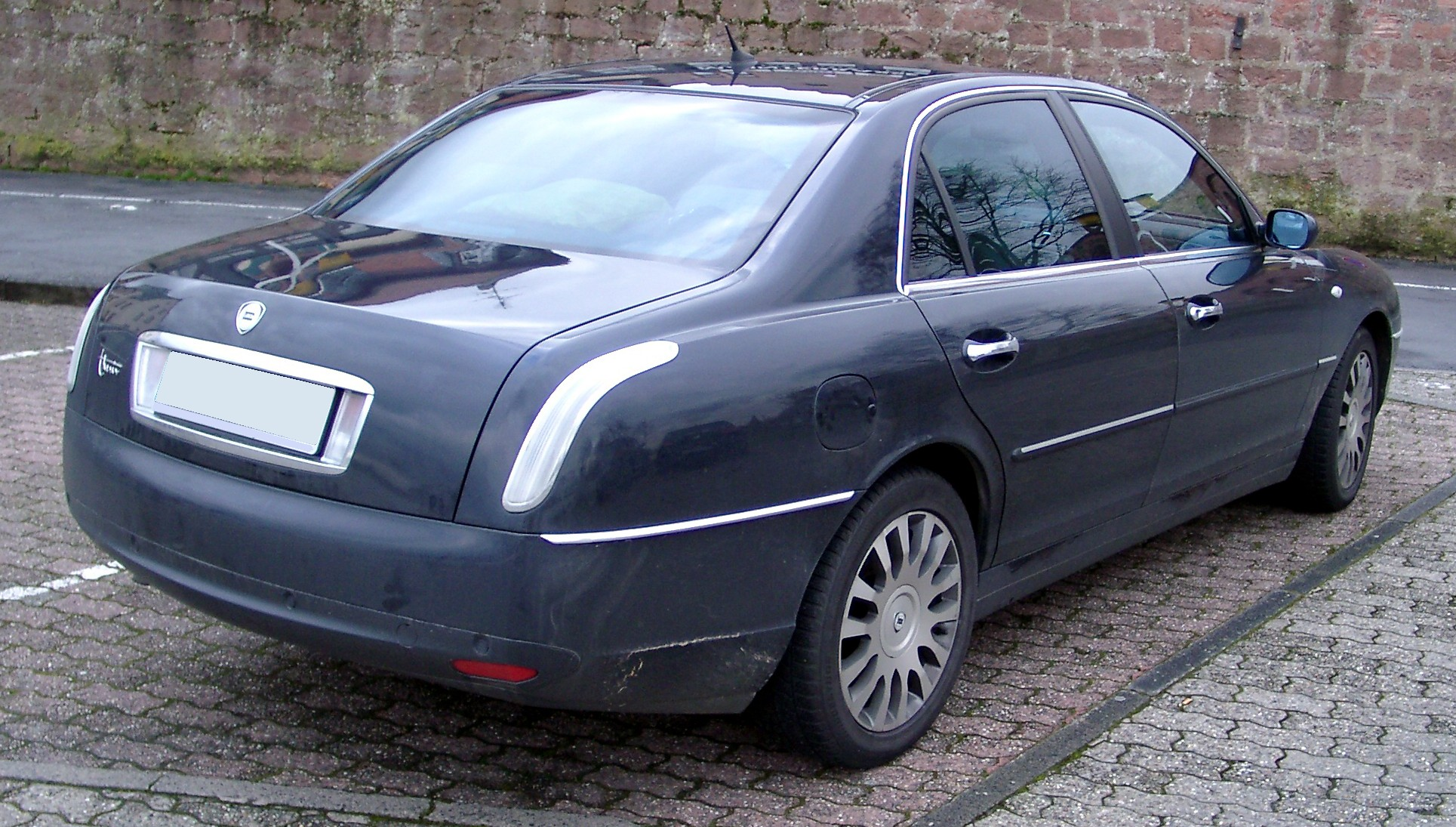 lancia thesis seriess