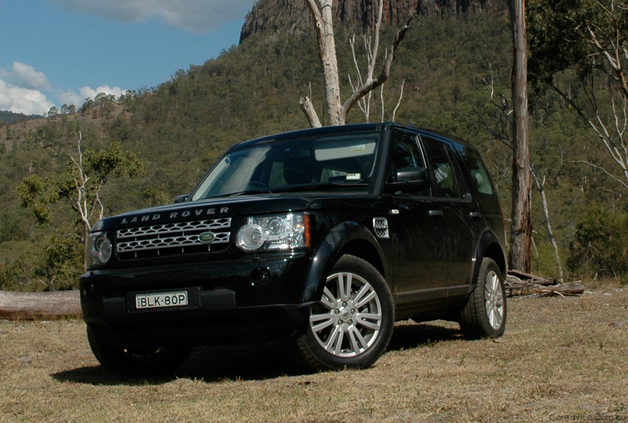http://auto-database.com/image/land-rover-discovery-iv-2010-wallpaper-171872.jpg