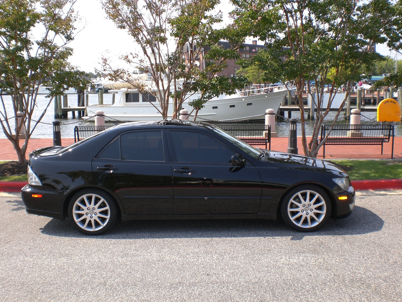 lexus is 2004 models