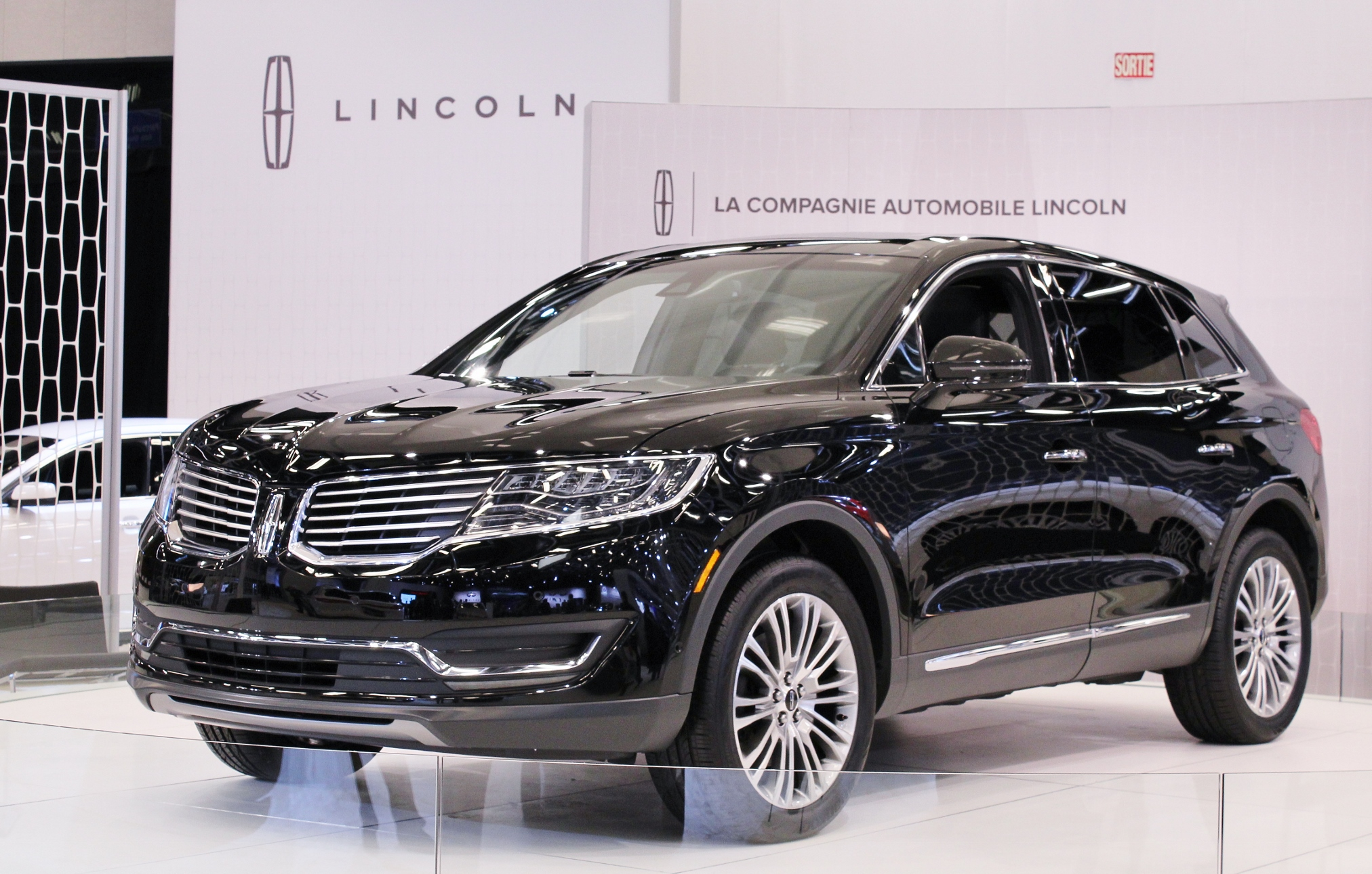 2016 lincoln mkx pictures information and specs auto. Black Bedroom Furniture Sets. Home Design Ideas