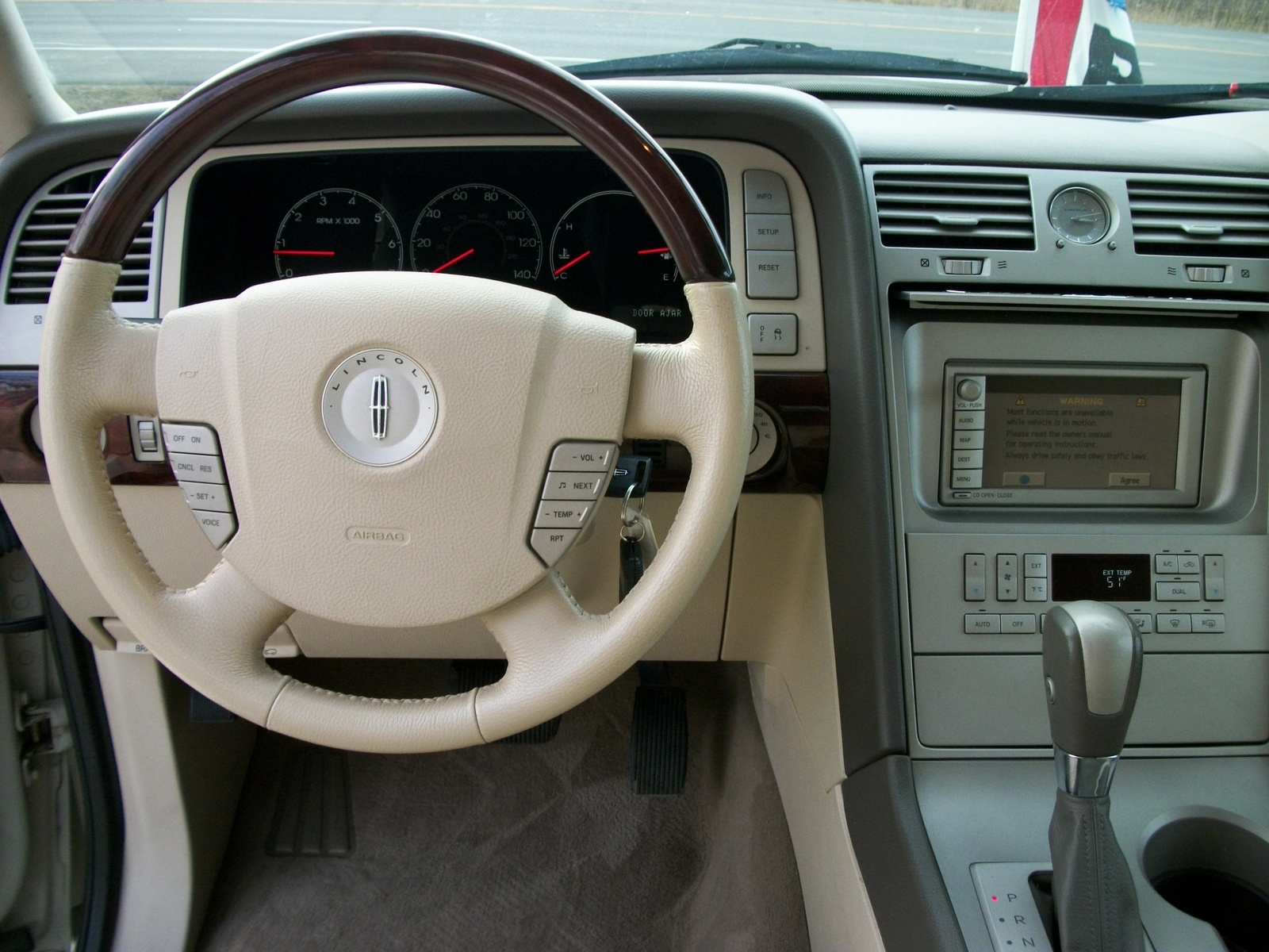 2004 lincoln navigator ii pictures information and specs auto for Lincoln navigator interior dimensions