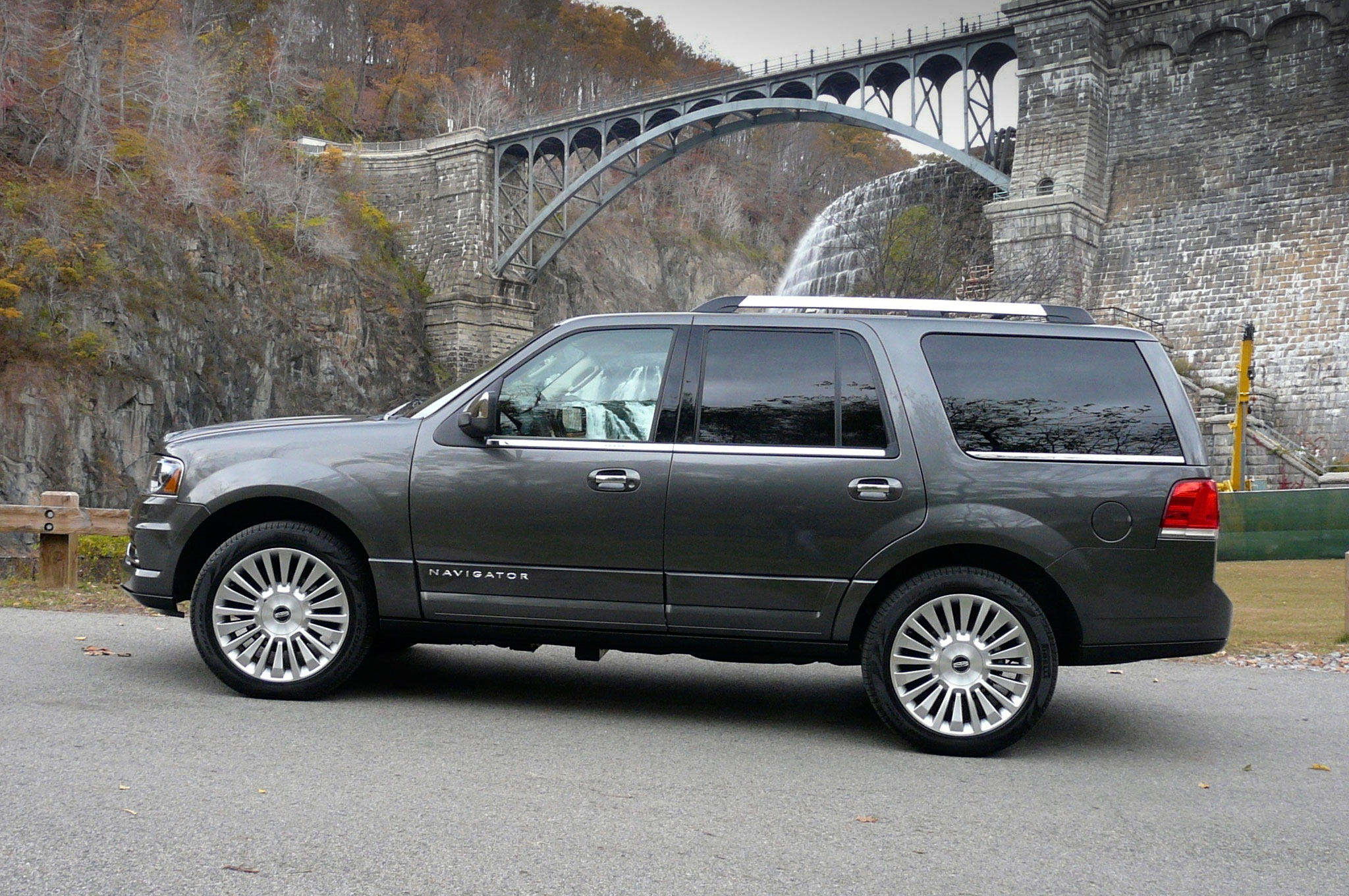 2016 lincoln navigator iii pictures information and specs auto. Black Bedroom Furniture Sets. Home Design Ideas