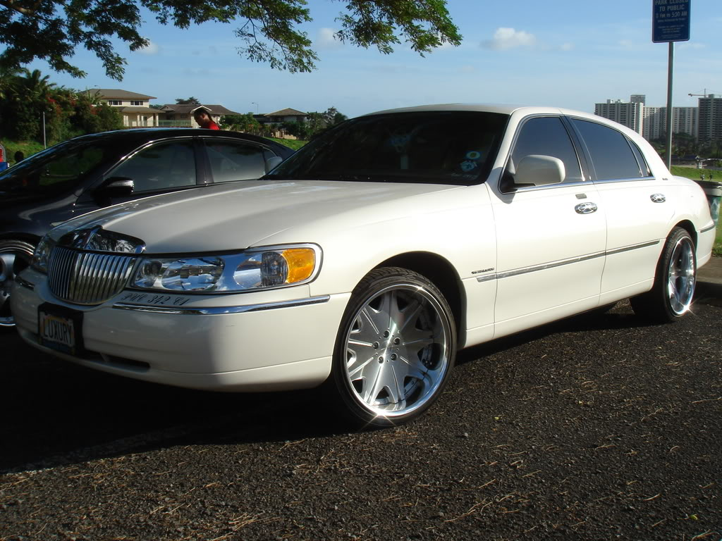 2000 lincoln town car pictures information and specs auto. Black Bedroom Furniture Sets. Home Design Ideas