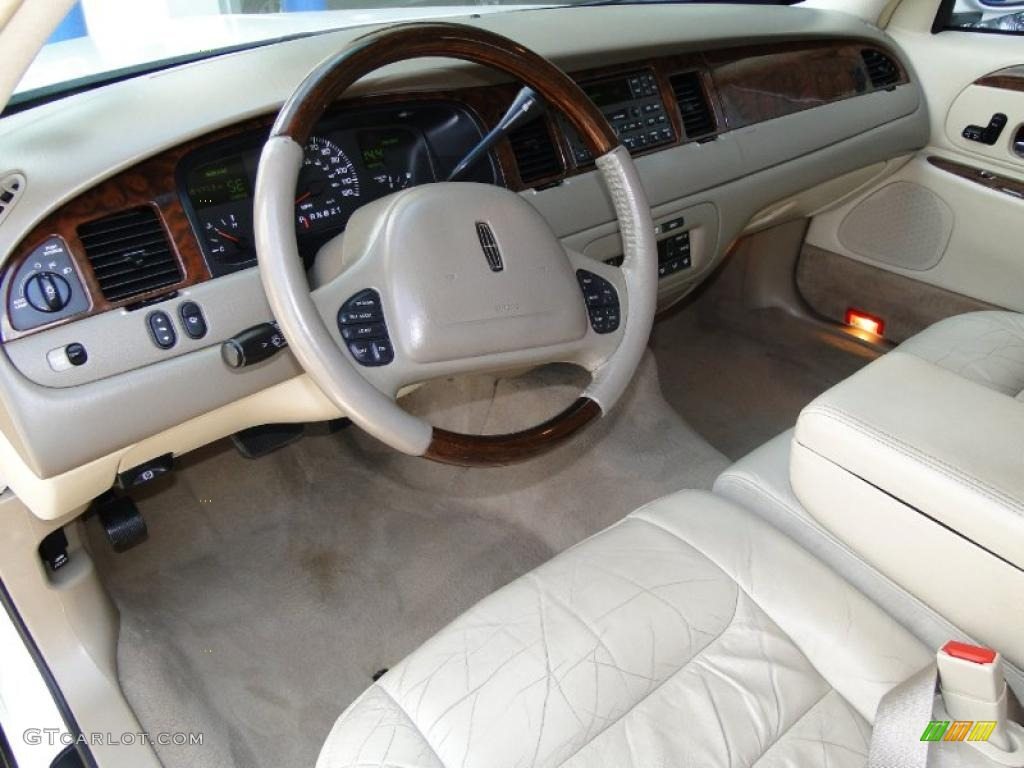 Lincoln Town Car 2001 Pictures 14