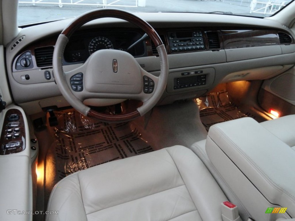 2002 Lincoln Town Car Pictures Information And Specs Auto