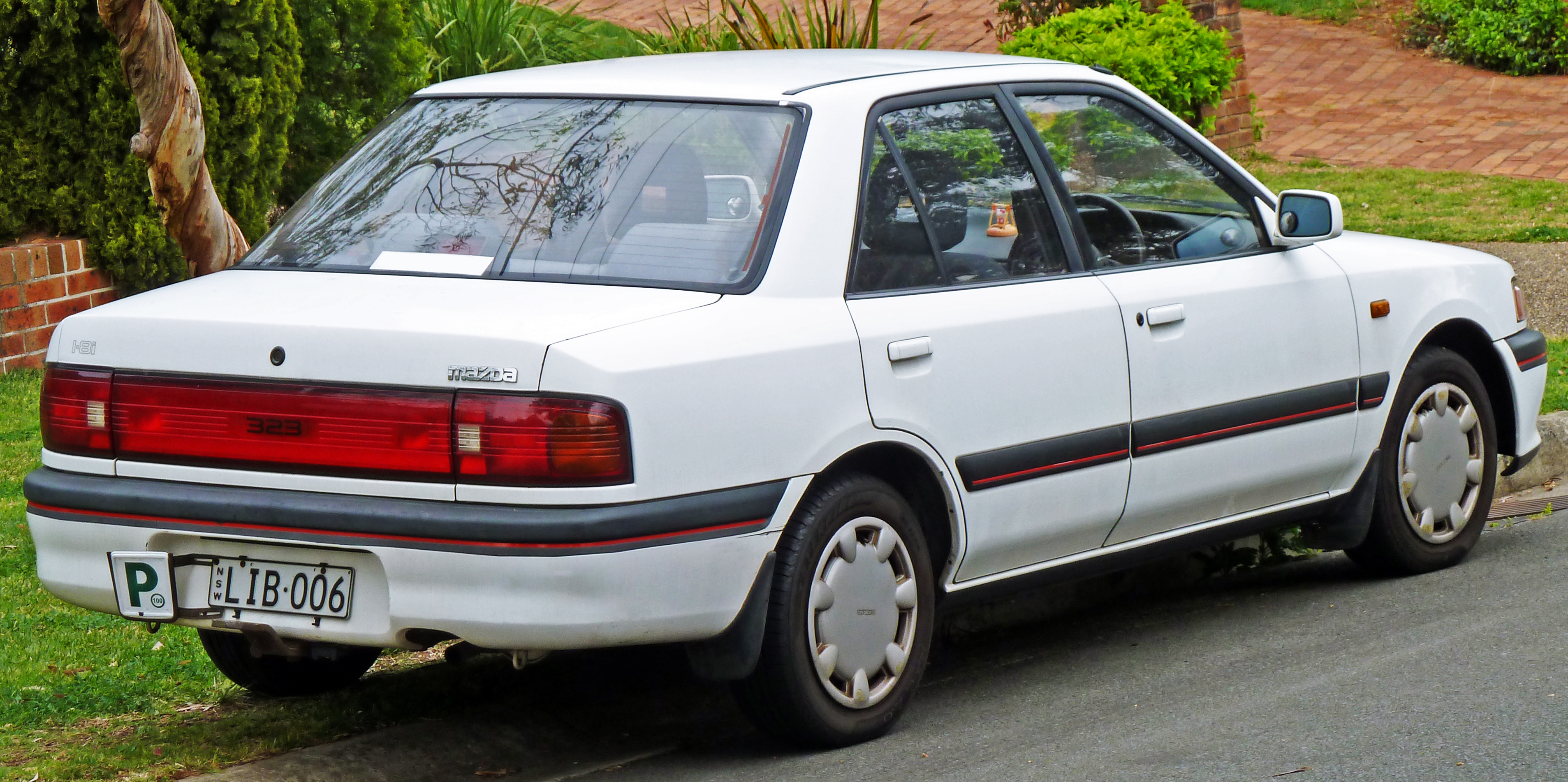 mazda 323 pictures #1
