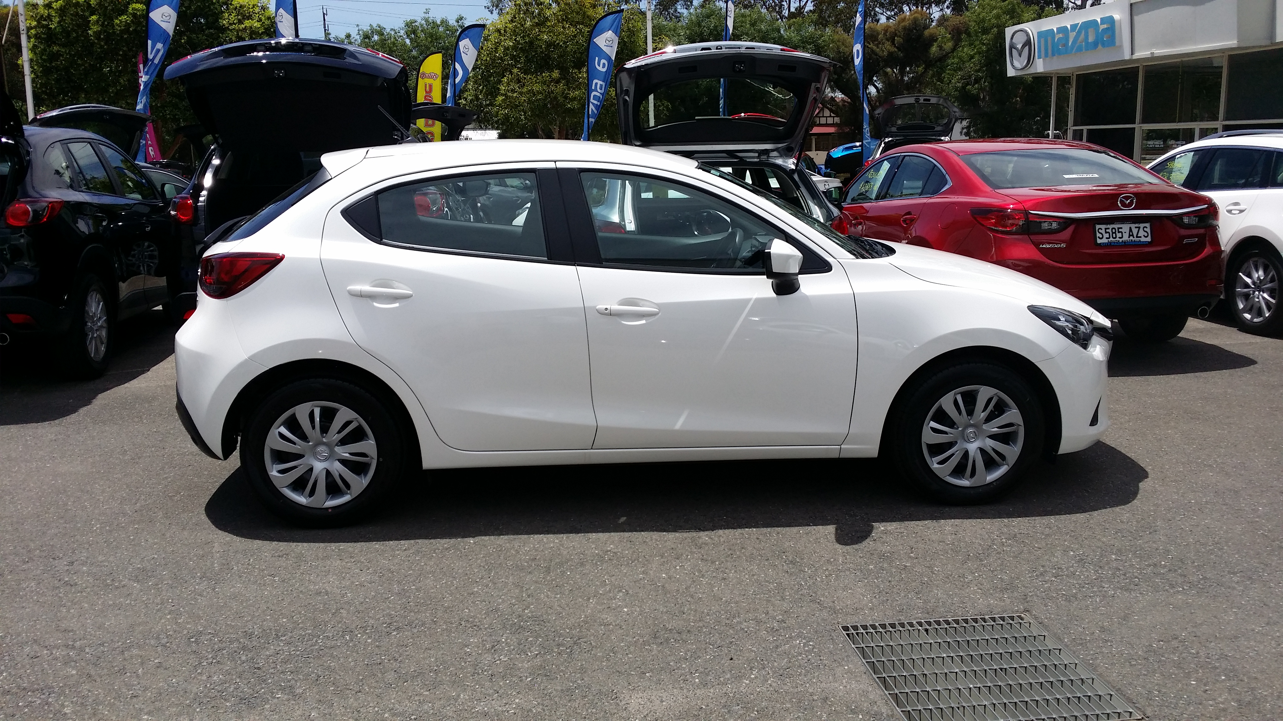 2014 Mazda Mazda 2 Ii Pictures Information And Specs