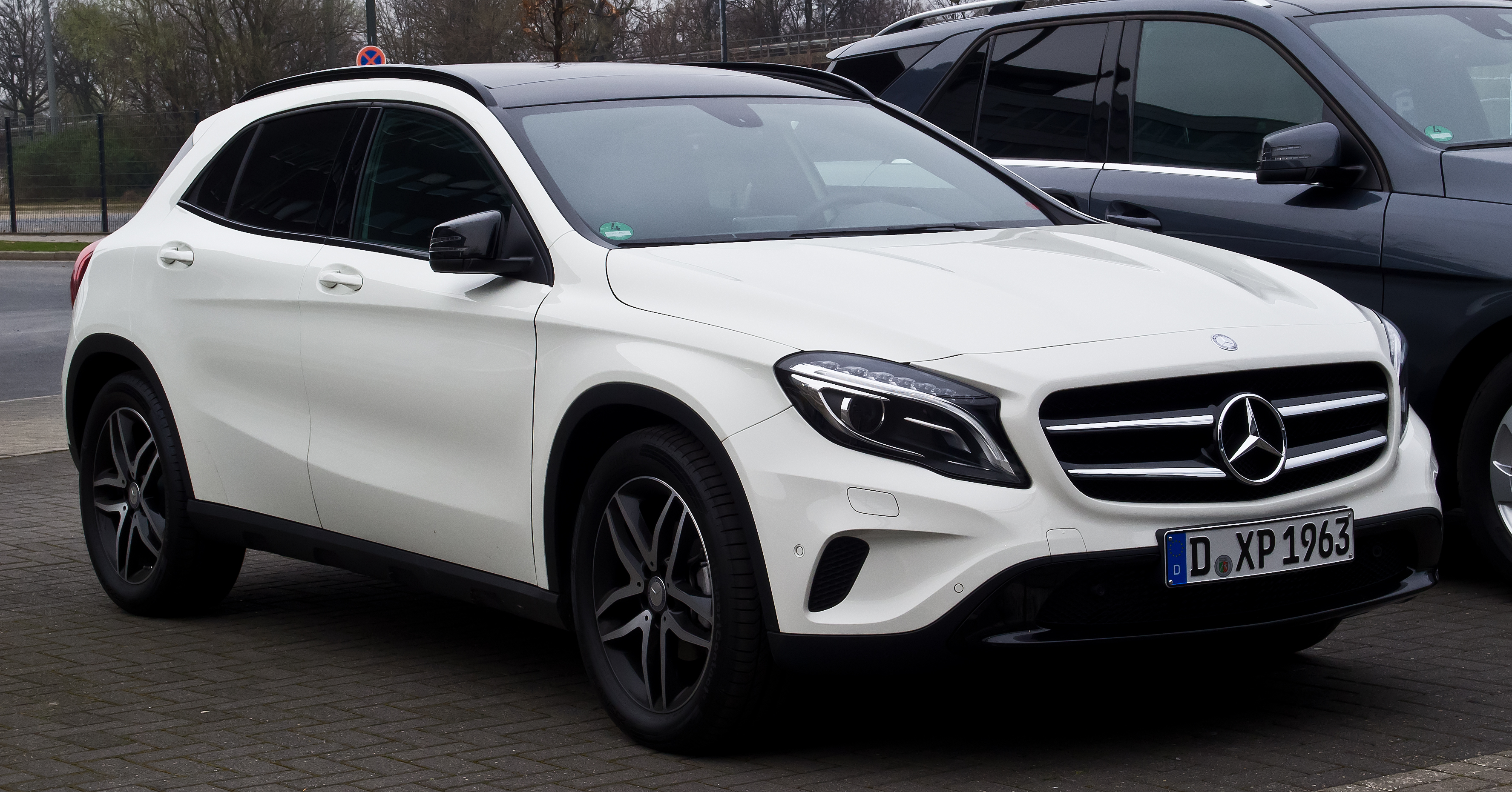 Mercedes Gla Wallpapers Canada Gallery Prices