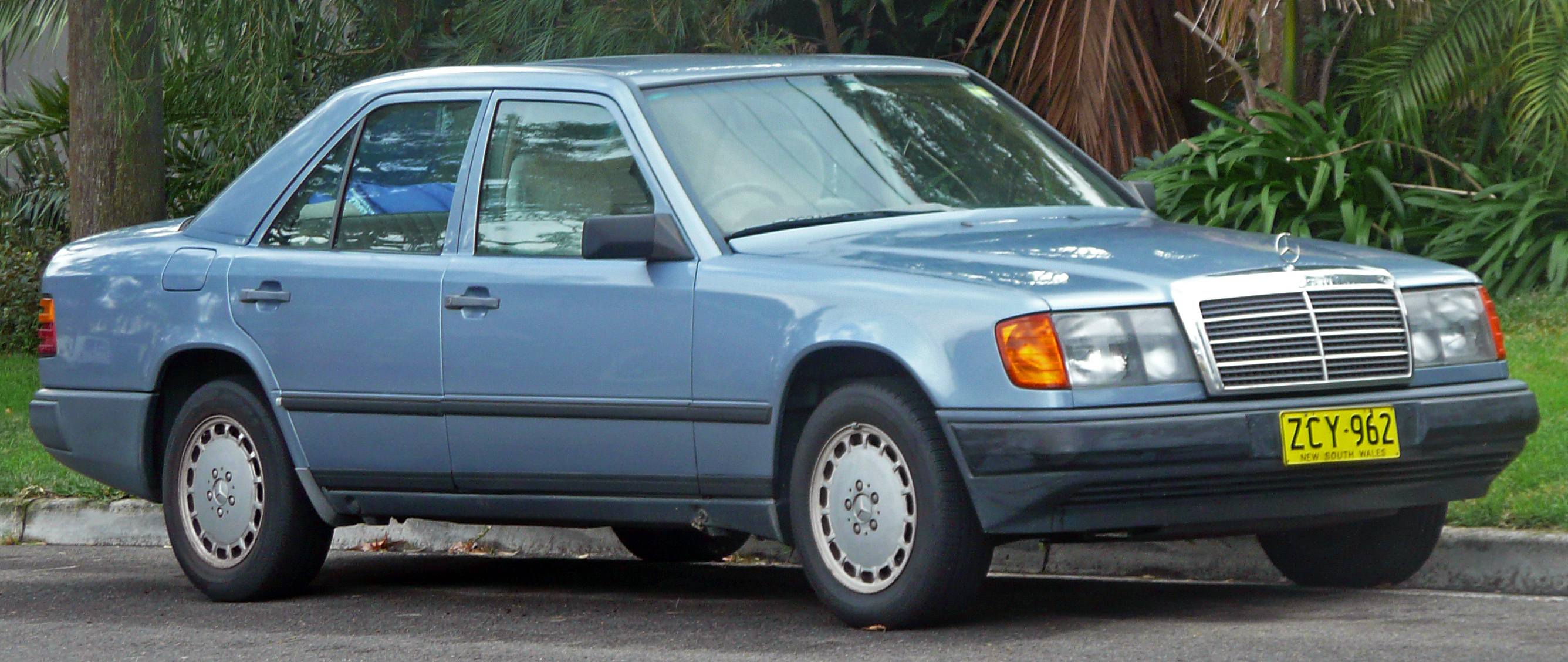 mercedes w124 coupe 1990 pictures