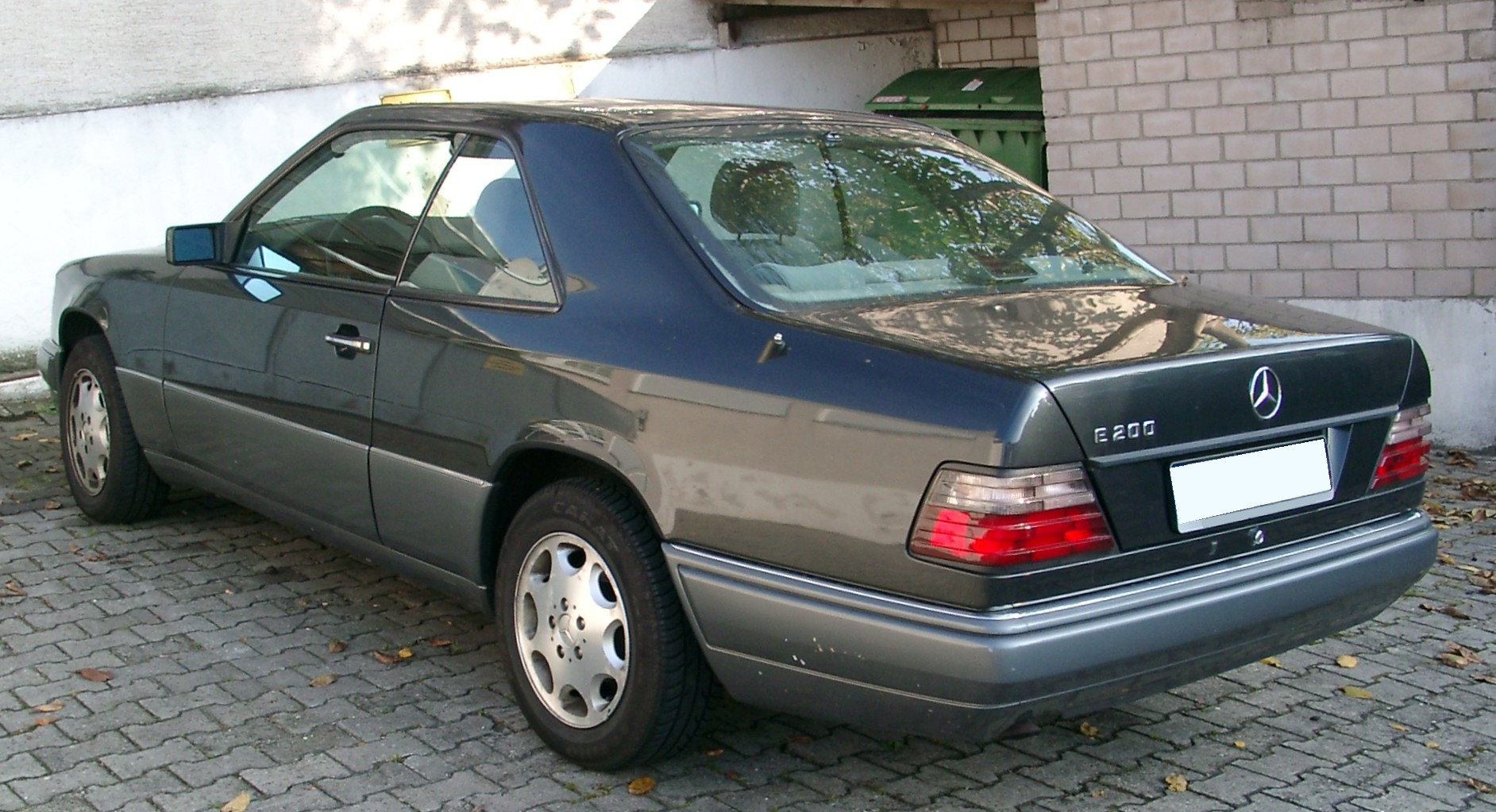 mercedes w124 t-model 1992 images