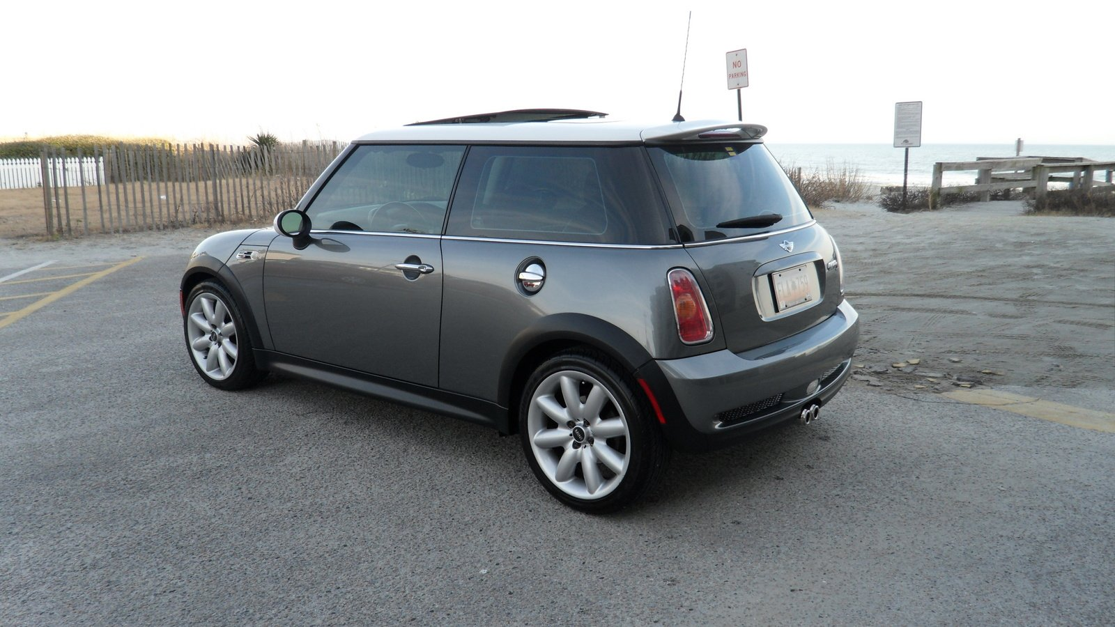 2002 mini cooper s pictures information and specs auto. Black Bedroom Furniture Sets. Home Design Ideas