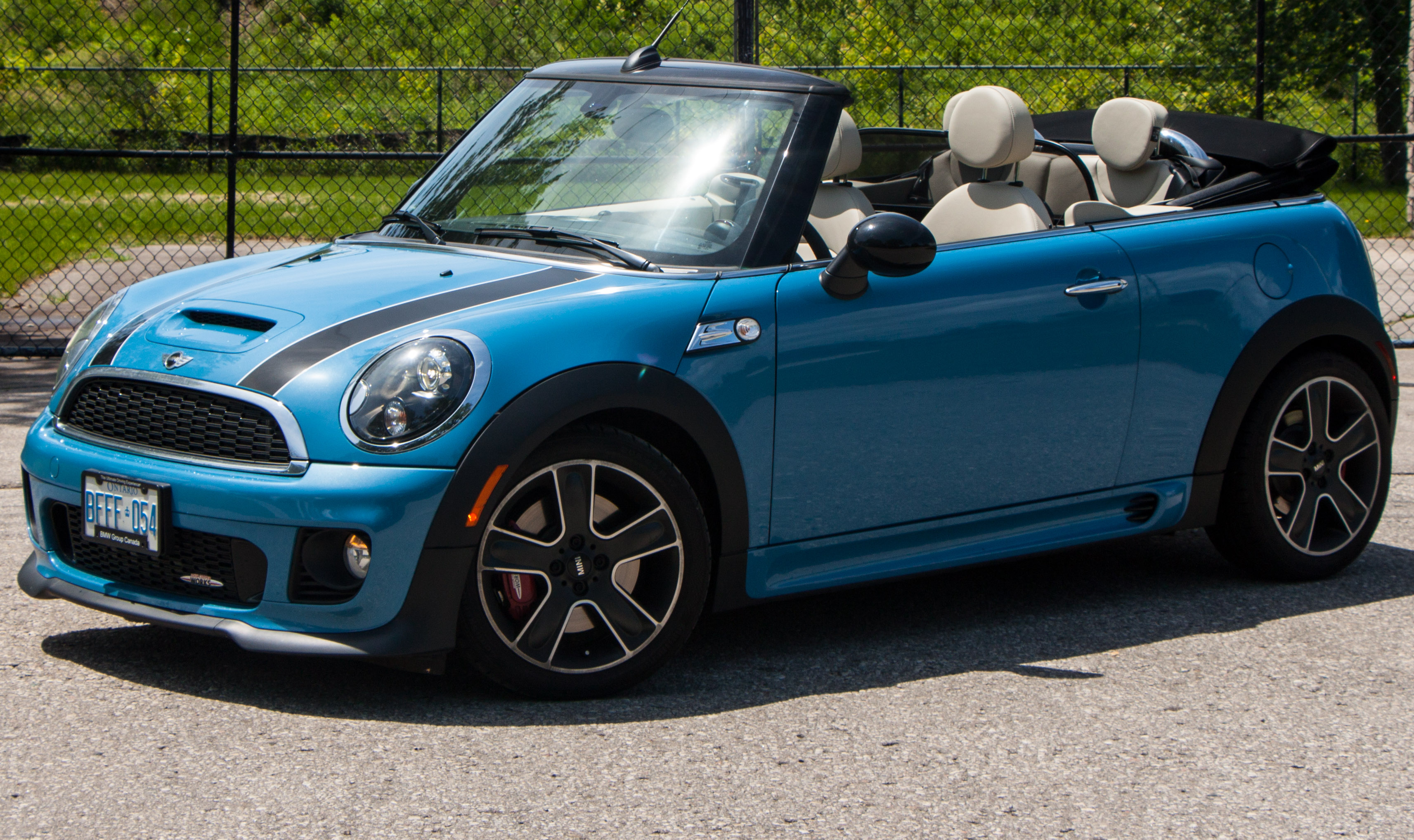 2013 mini cooper s cabrio pictures information and. Black Bedroom Furniture Sets. Home Design Ideas