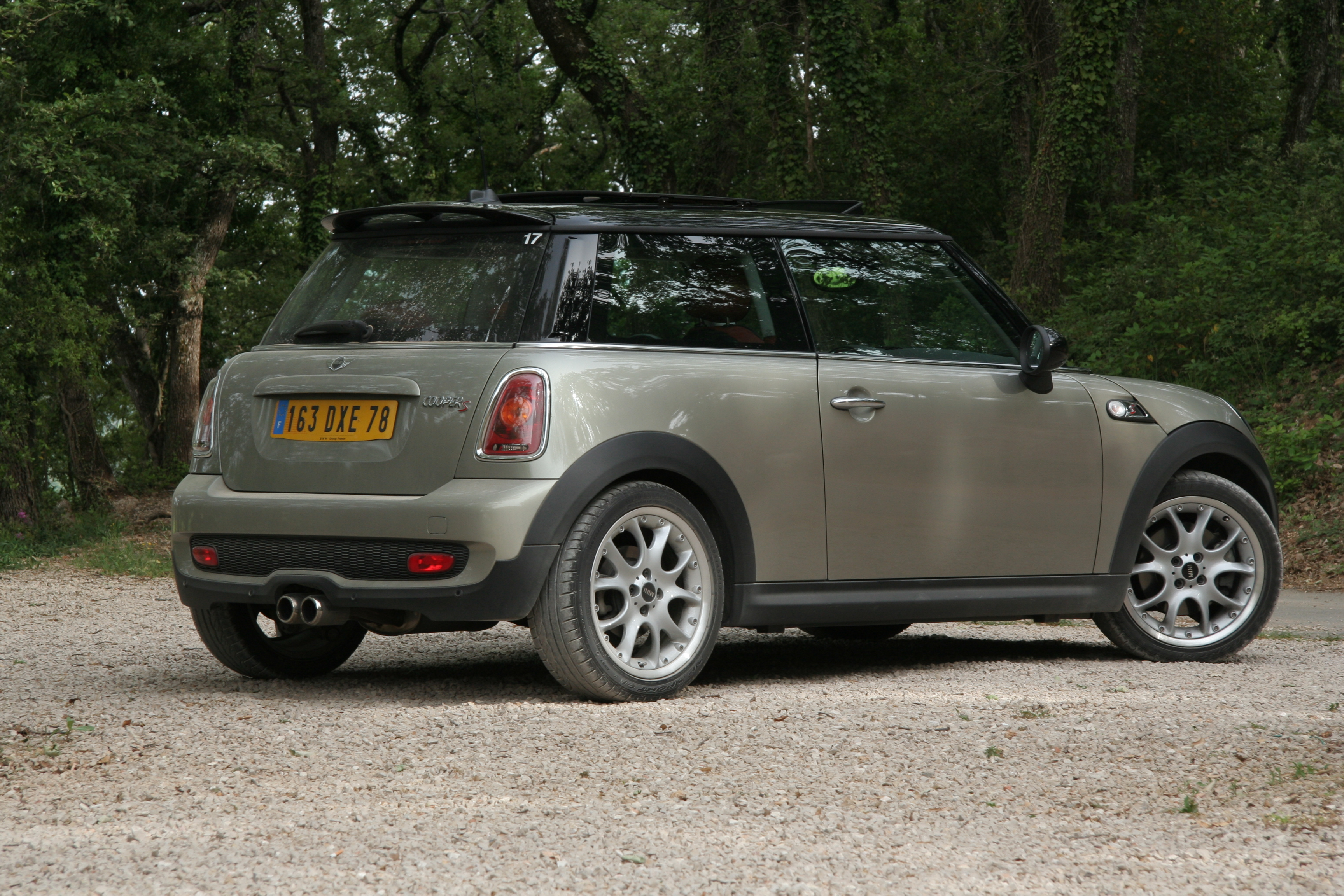 2010 mini cooper s ii pictures information and specs. Black Bedroom Furniture Sets. Home Design Ideas