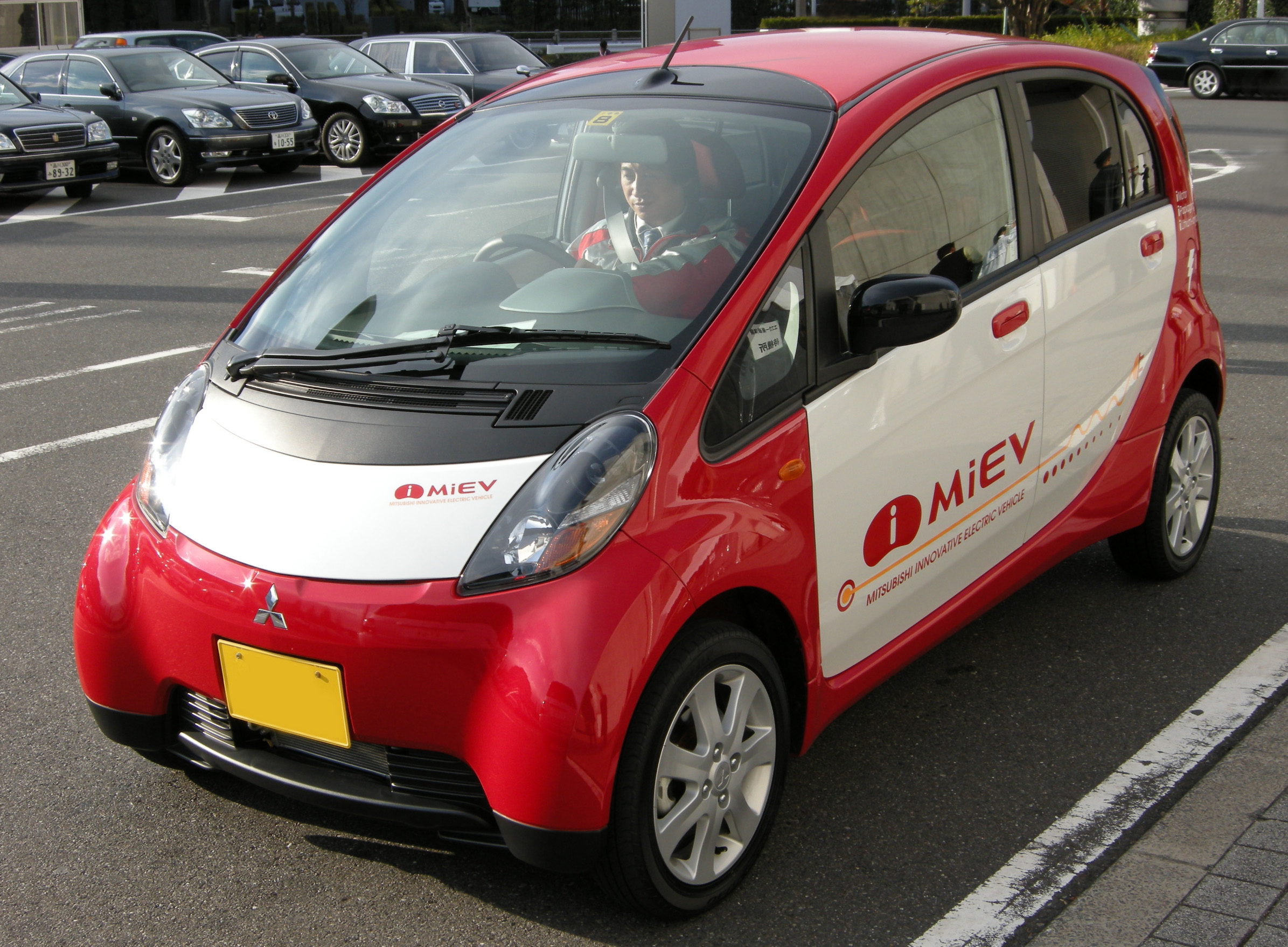 new touchscreen has arrives march photos i mitsubishi at navi system news dealers sale in for miev
