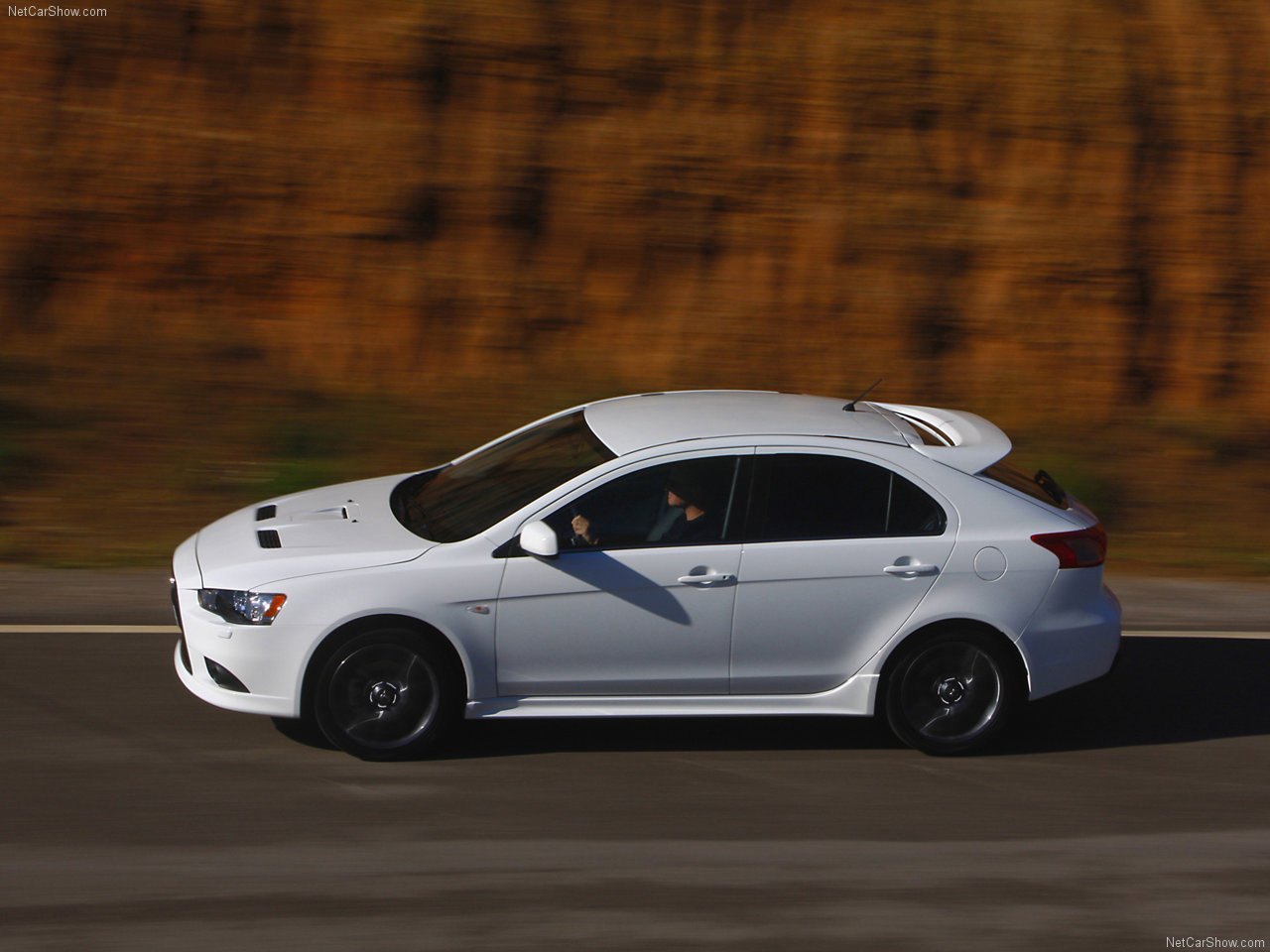 mitsubishi lancer x (10) sportback 2009 wallpaper