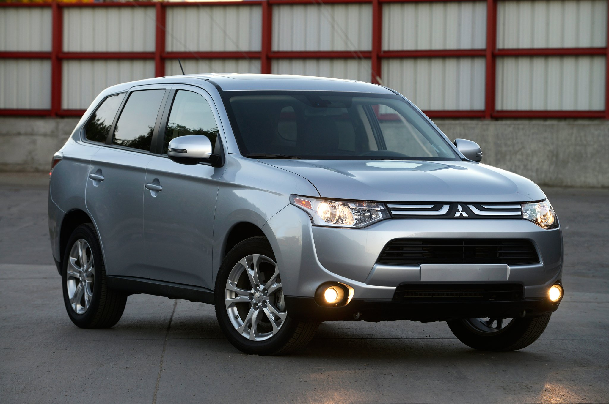 mitsubishi outlander pictures #13