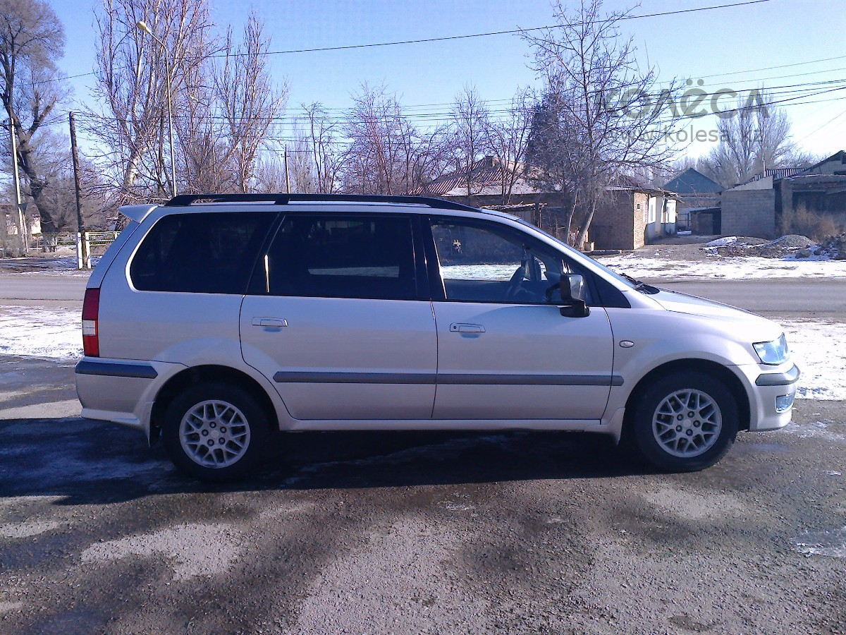 2001 mitsubishi space wagon iii pictures information and specs auto. Black Bedroom Furniture Sets. Home Design Ideas