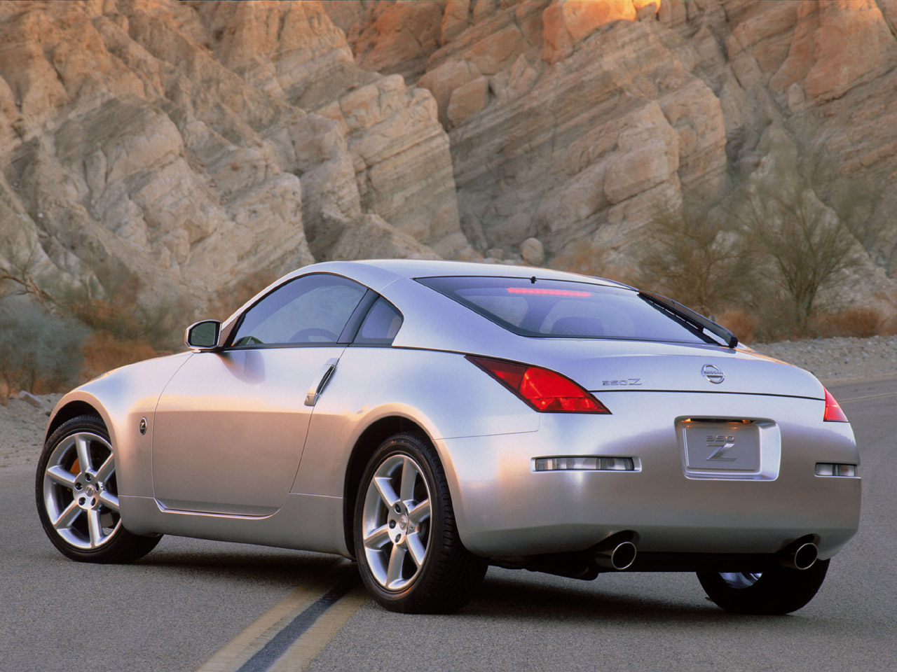 2015 nissan 350z z33 pictures information and specs auto. Black Bedroom Furniture Sets. Home Design Ideas