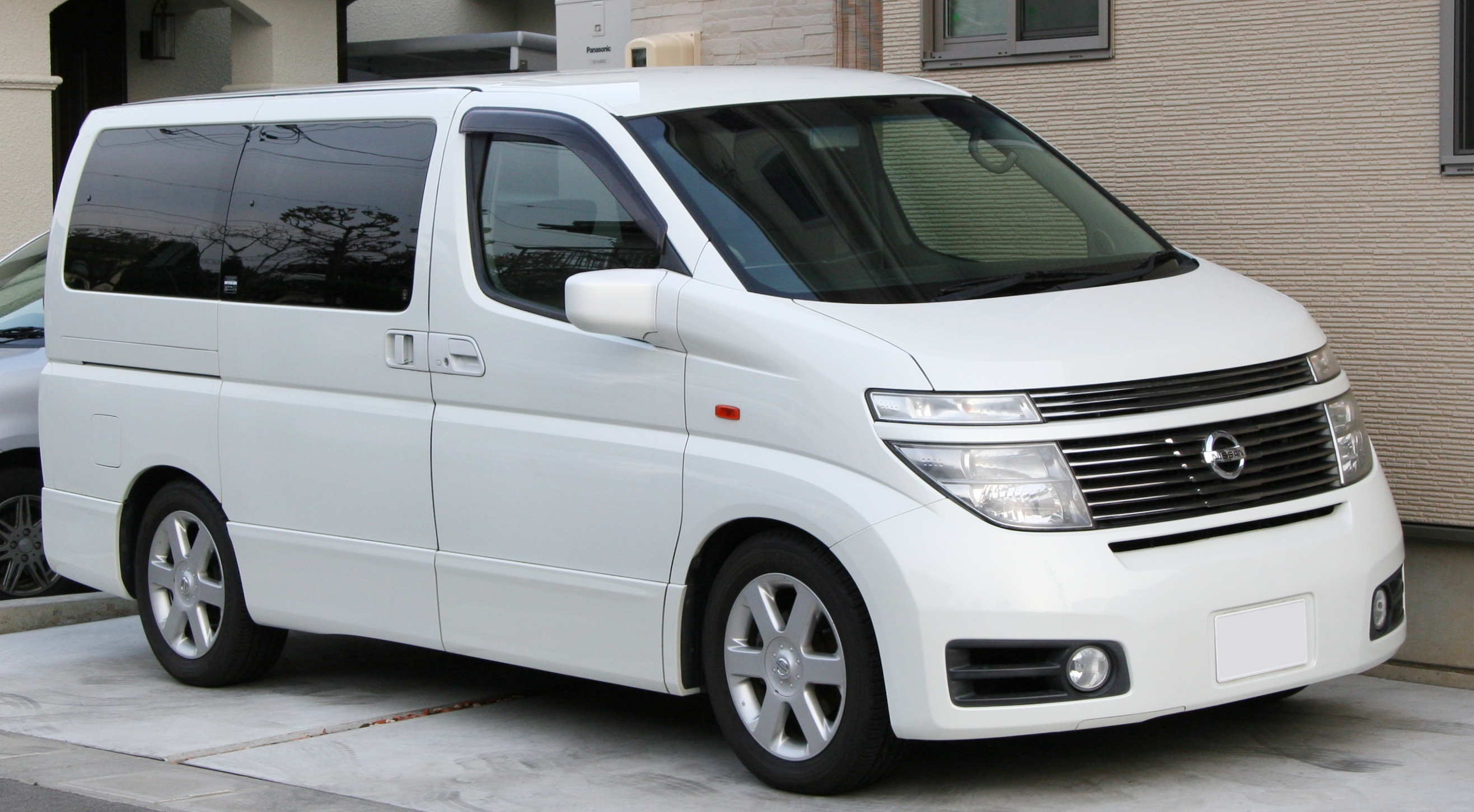 2009 Nissan Elgrand E51 Pictures Information And