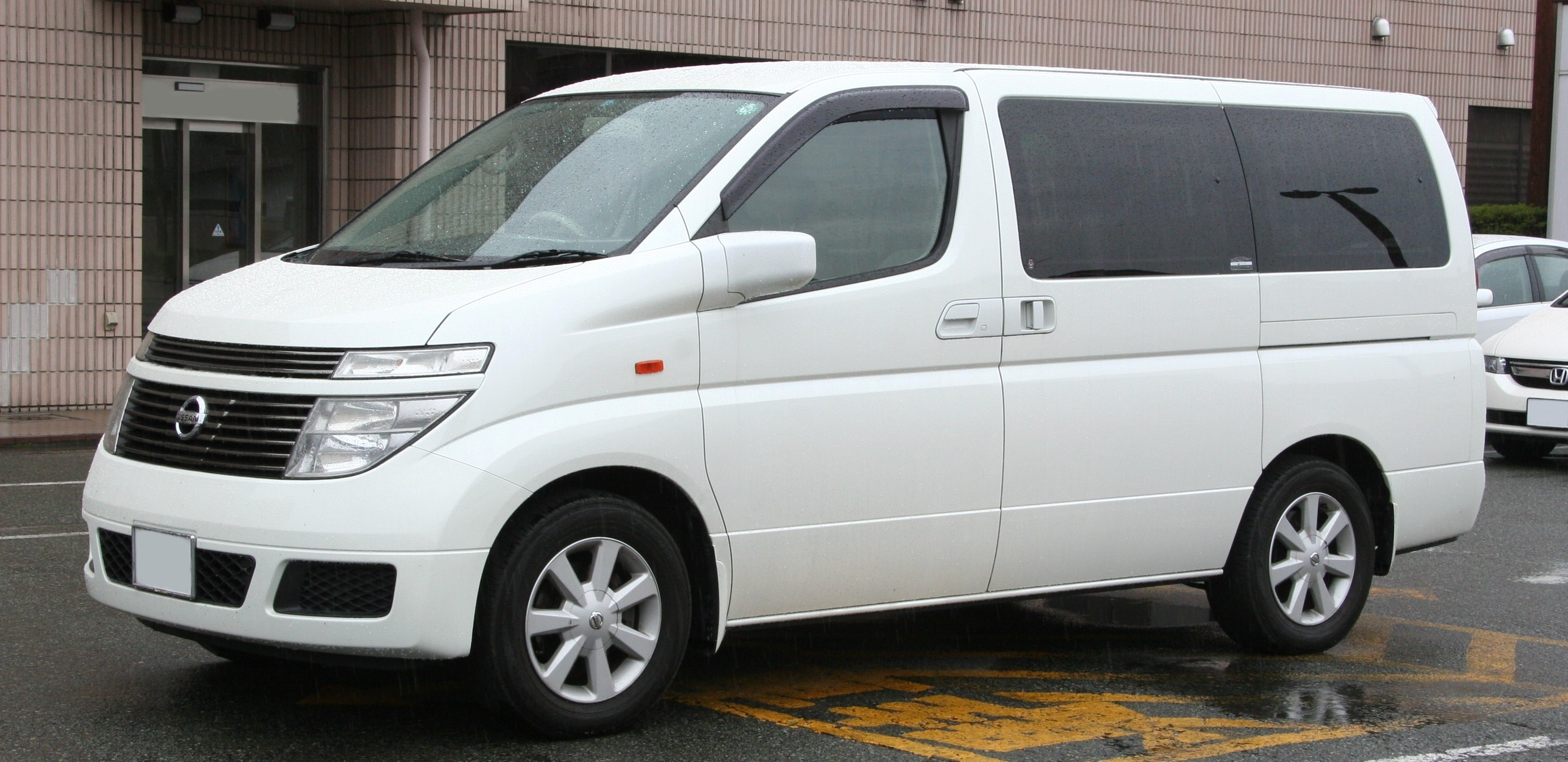 2010 Nissan Elgrand (e51) – pictures, information and ...
