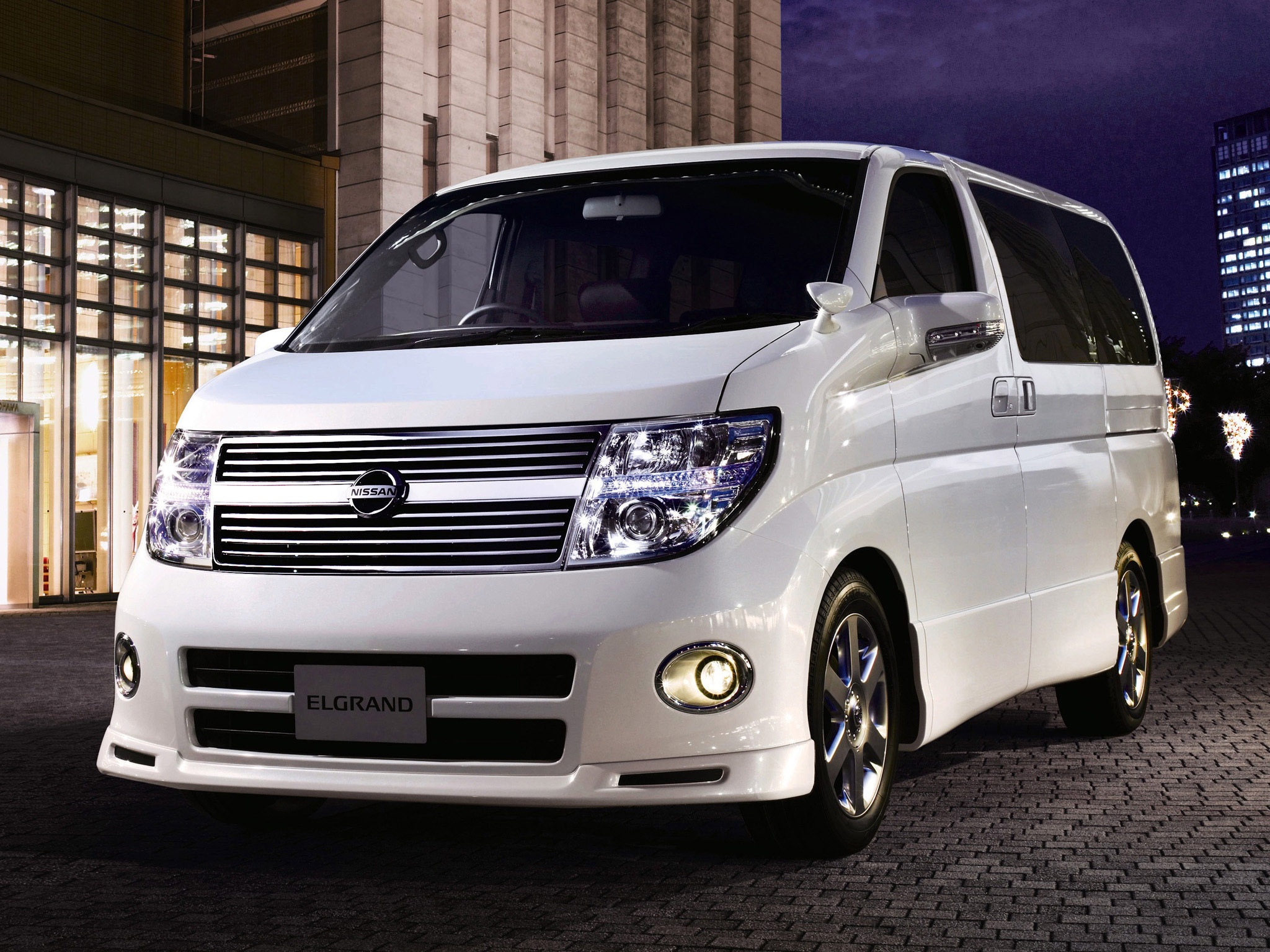 nissan elgrand images #11
