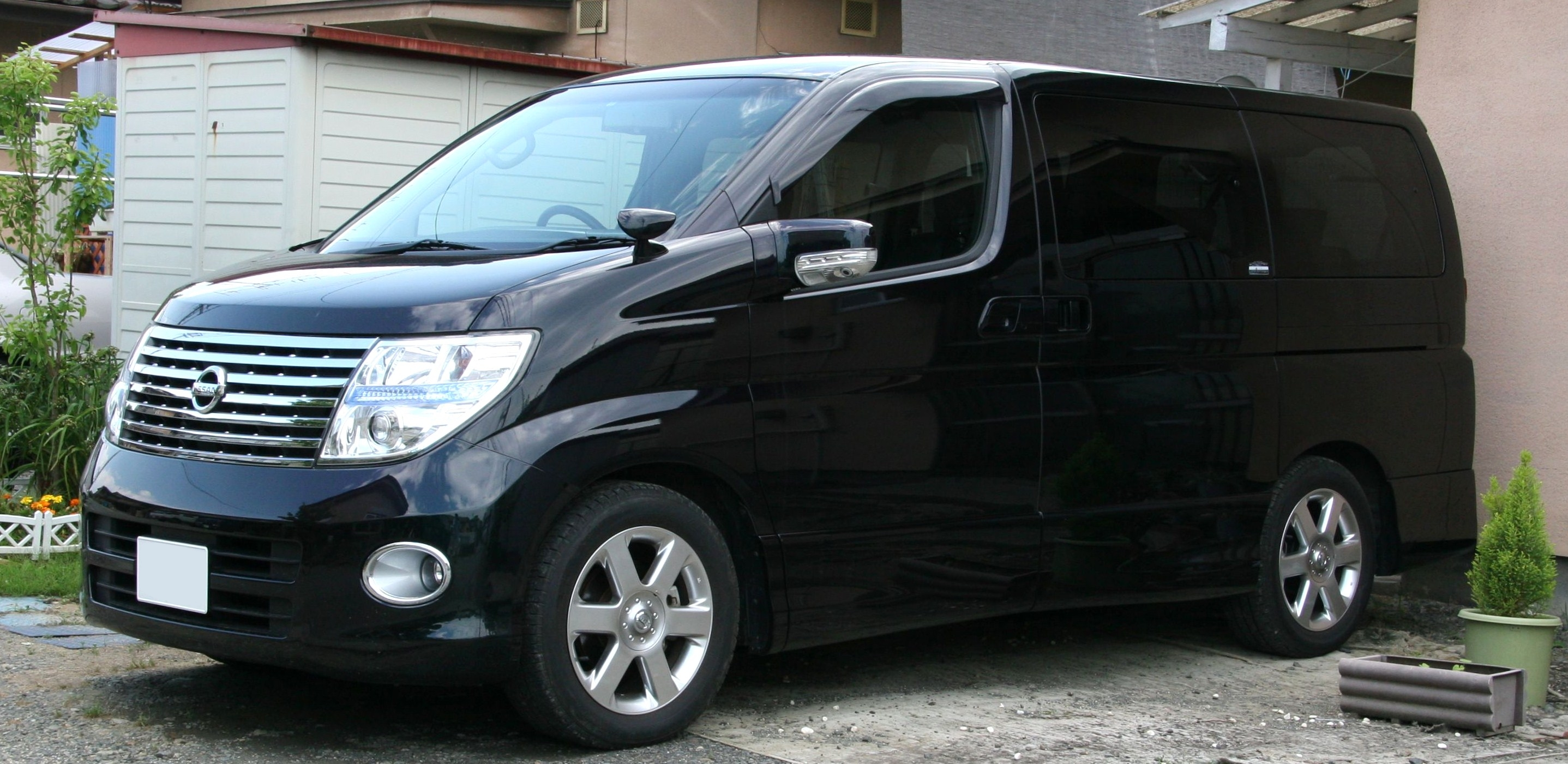 Nissan Elgrand   pictures, information and specs - Auto-Database.com